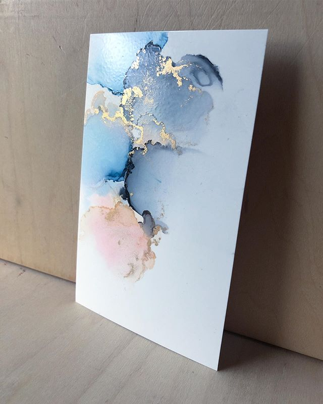 Little wispy piece for this lovely Saturday morning. The texture you see is from the varnish spray—it disappears when you apply the resin 🤩 . . . #alcoholink #alcoholinks #alcoholinkart #inkart #fluidart #abstractart #abstractinkartist #fluidart #fluidpainting #instaartist #abstractpainter #inkpainting #copicvariousinks #yupo #smallbusinessowner #handmadeart #makersgonnamake #astuaryart #artistsofinstagram #artdaily #artistsoninstagram #artoninsta #communityovercompetition #originalart #artforsale #iteachart #artteacherlife #proudartteacher #vinestreetcatco