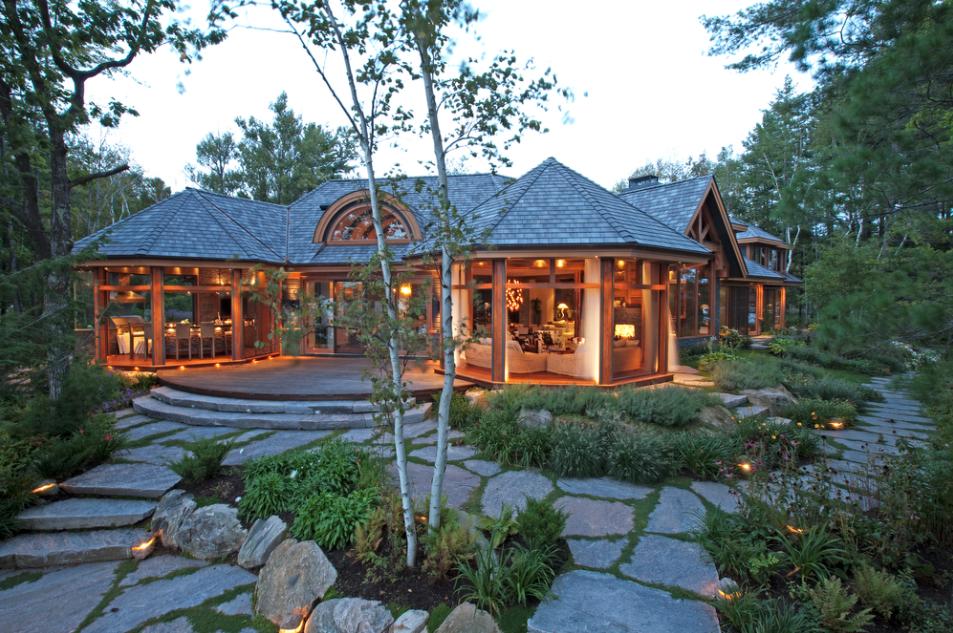 Muskoka-in-the-pines-custom-cottage