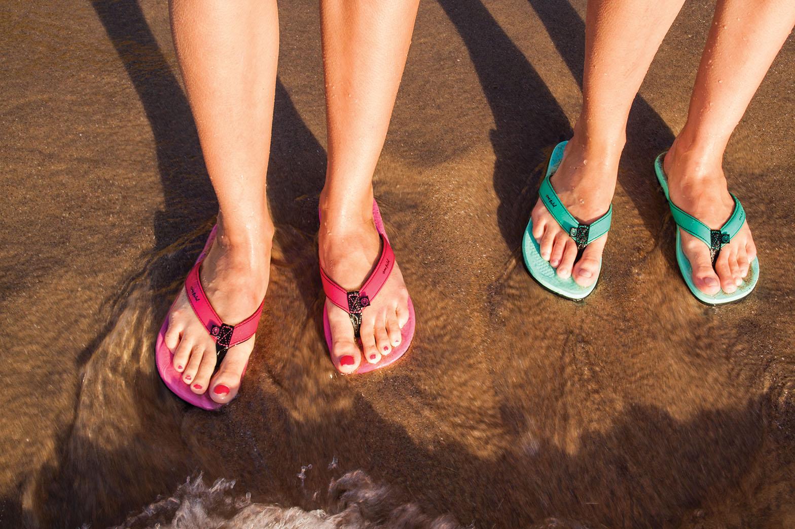 WaveseekerFlipW_388_68P_Feet_SS13.jpg