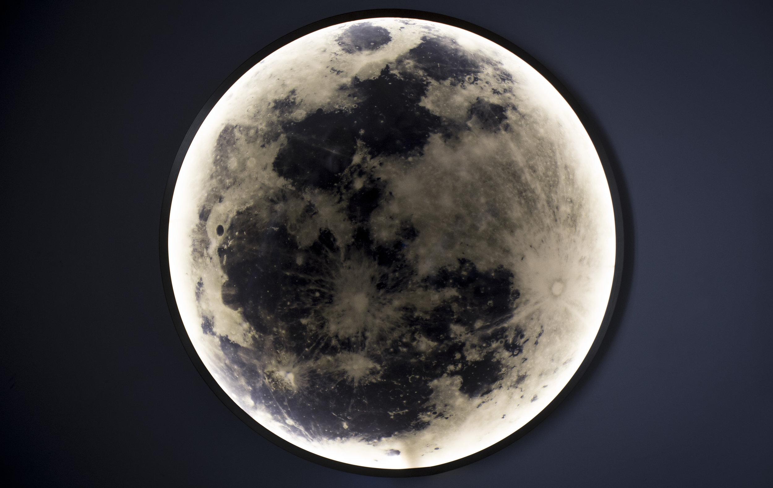Blanc Moon Light 3.jpg