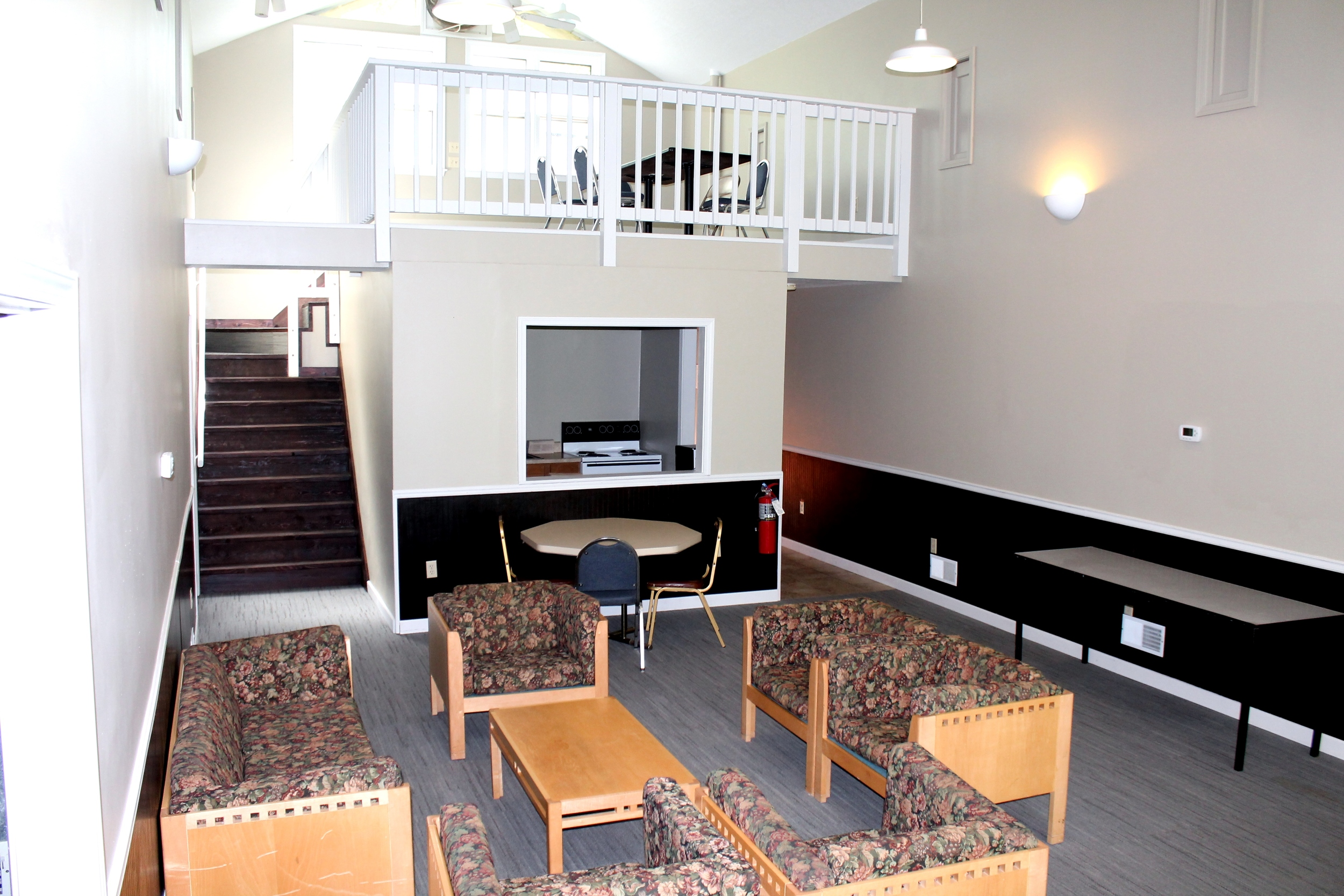 Oak Place entry2.JPG
