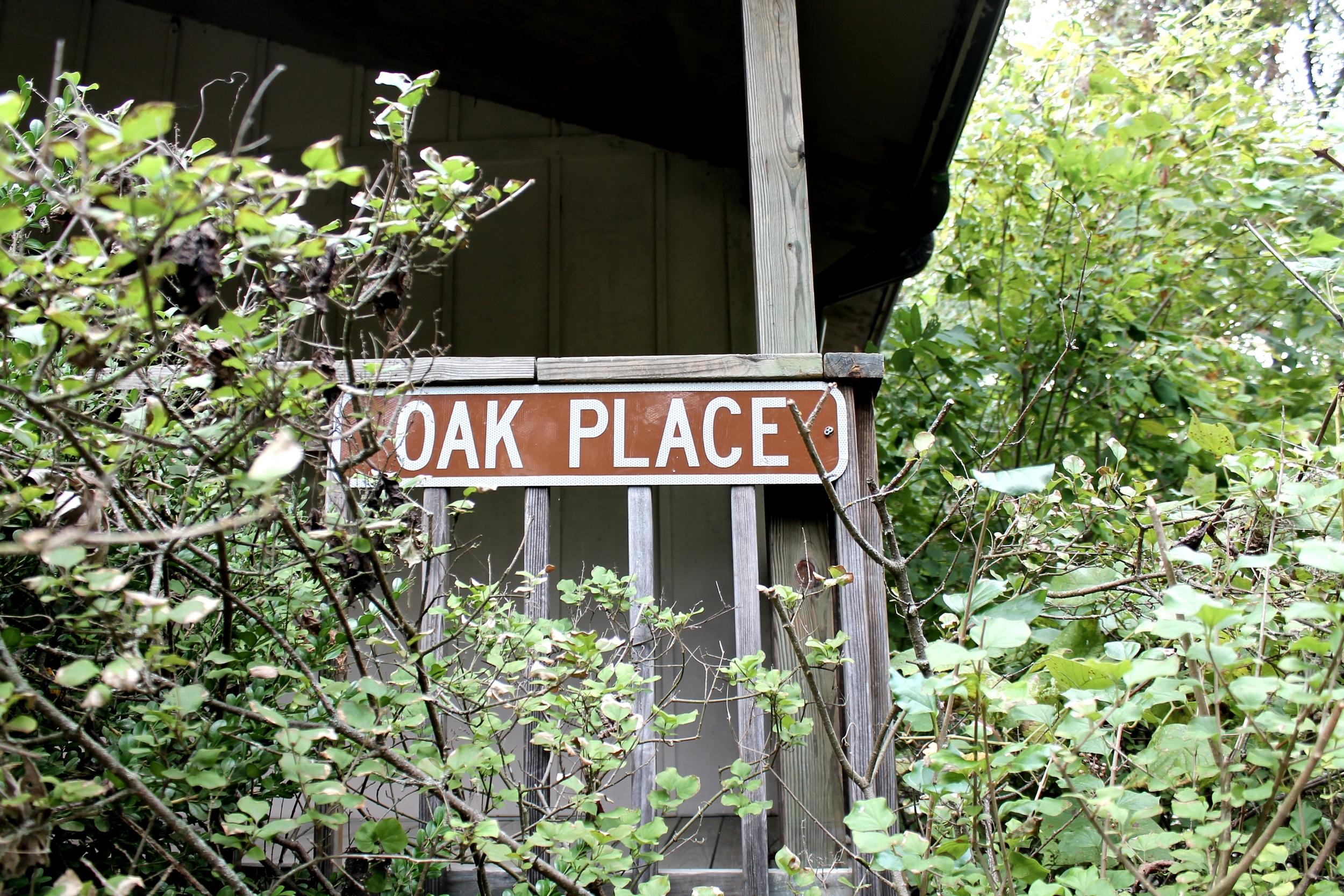 Oak Place sign.JPG