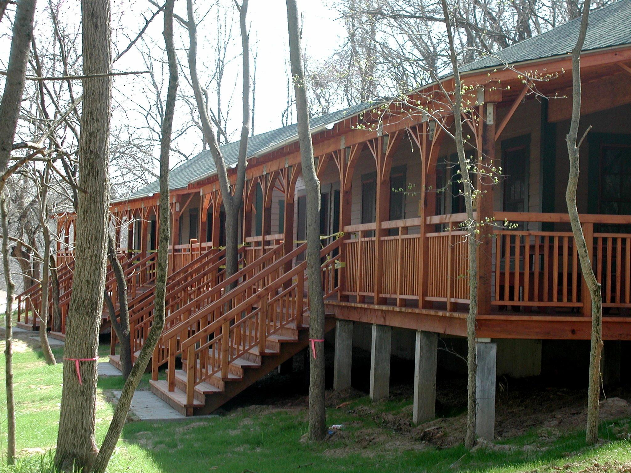 Pete's Cabin Exterior.jpg