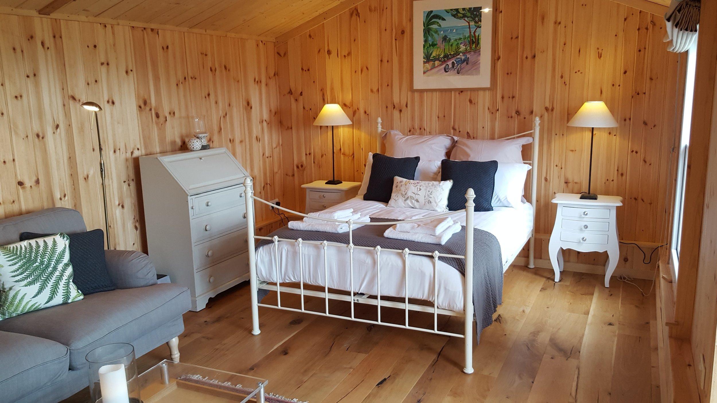 Cabin bedroom (2).jpg
