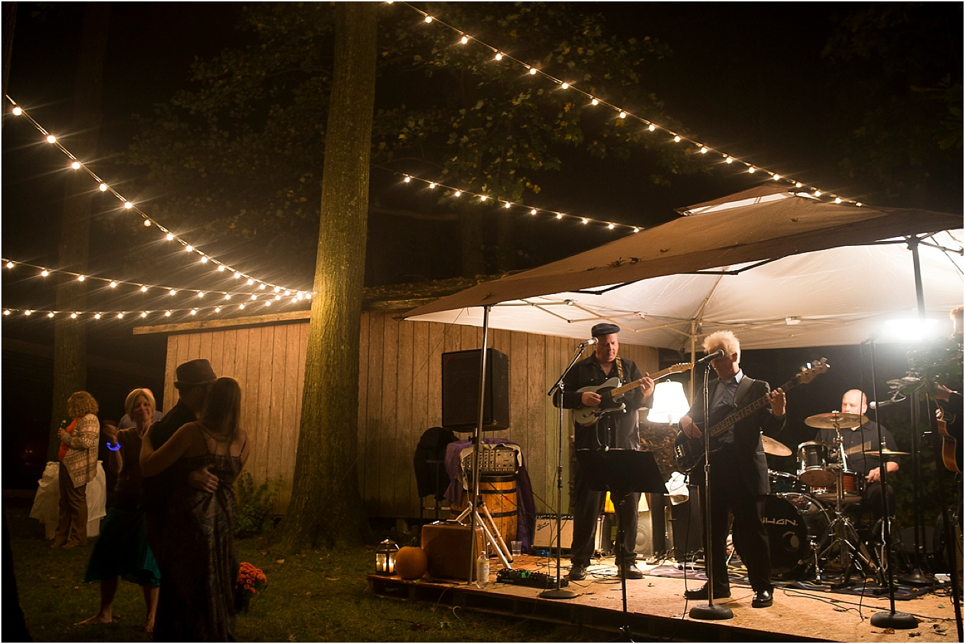 Annie-Mike-Backyard-Wedding-42.jpg