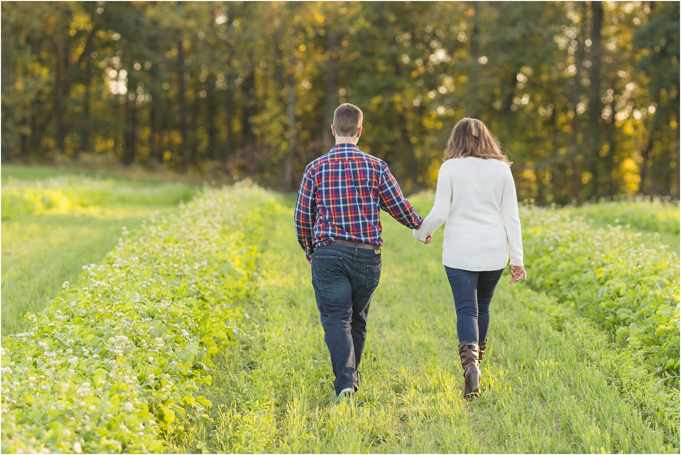 Larriland-Farm-Engagement-Photo_0013.jpg