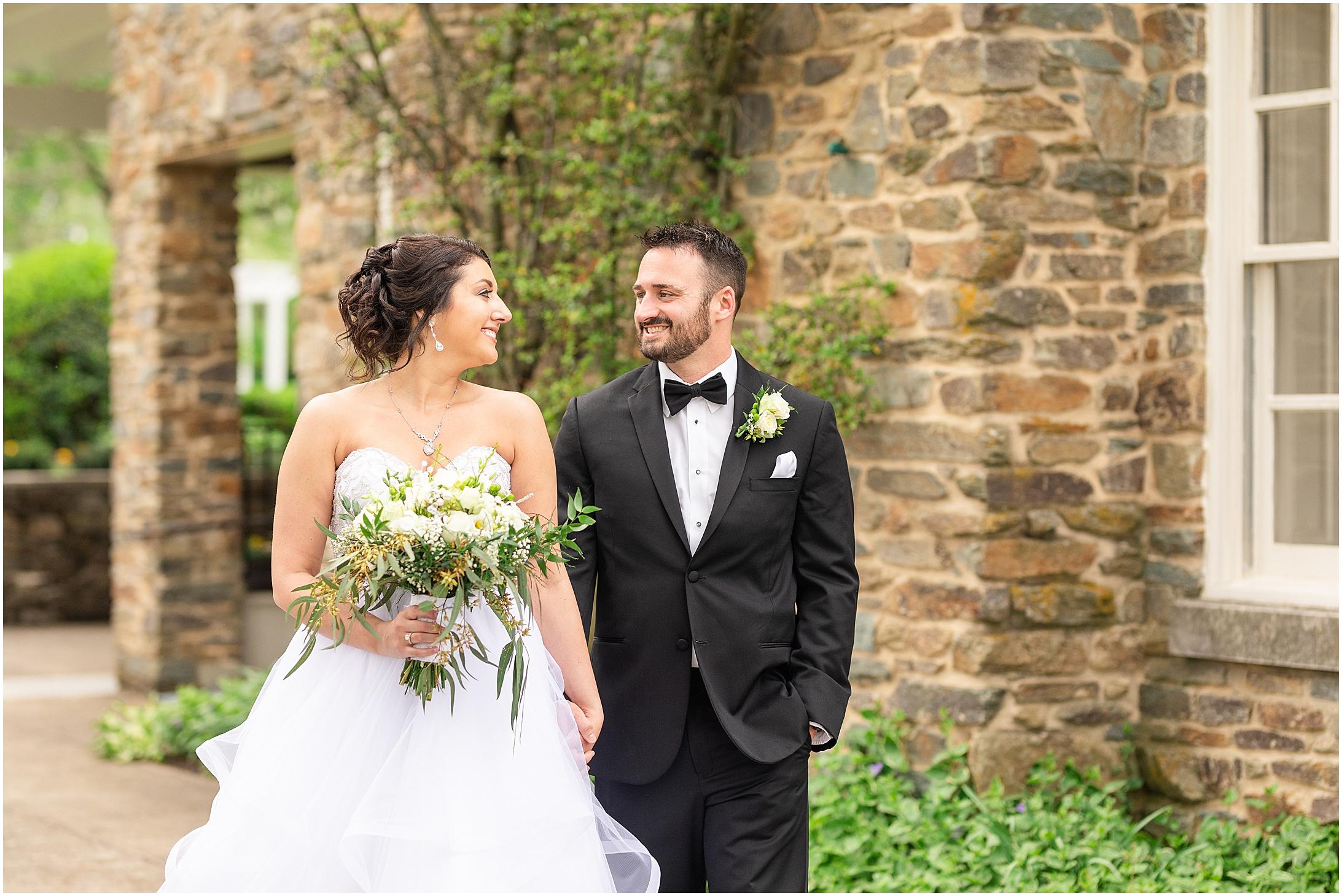 Stone-manor-country-club-wedding-photos-133.jpg