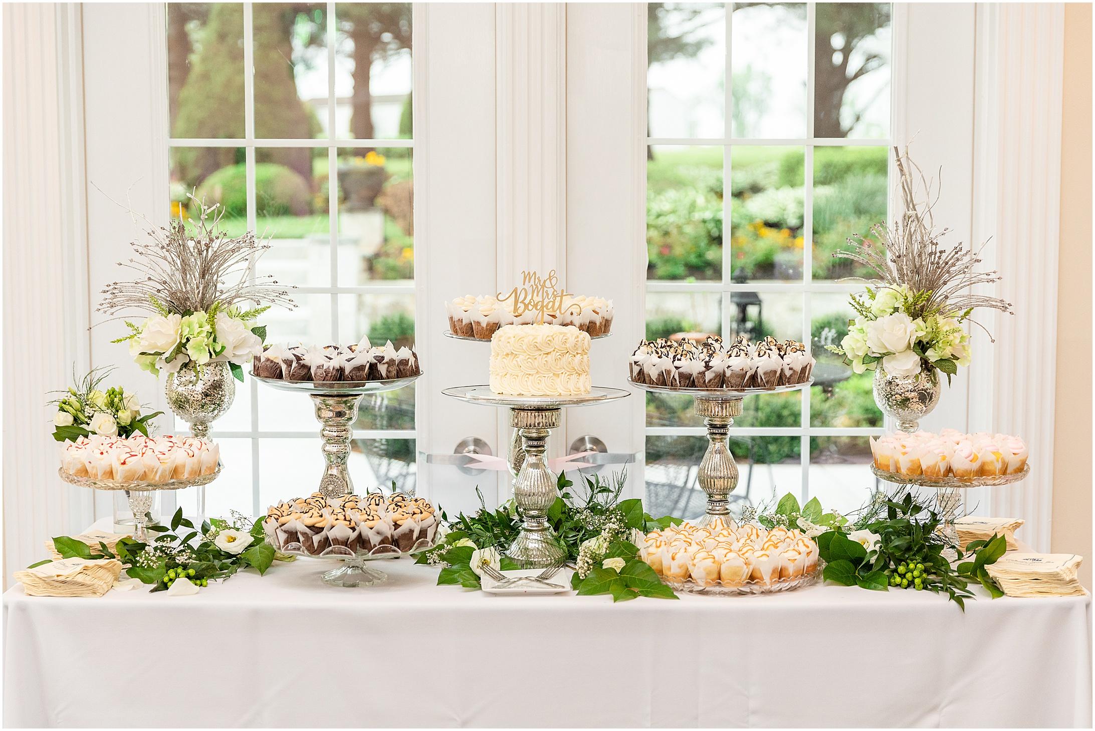 Stone-manor-country-club-wedding-photos-168.jpg