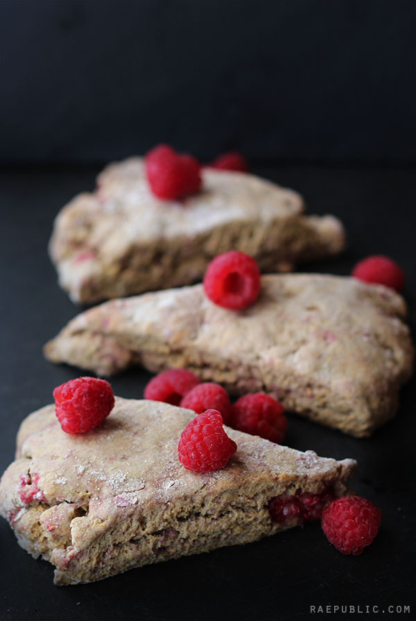 Vegan raspberry scones that are super easy to make. Made with maple syrup and raw applesauce they are sweet and cane-sugar free all at the same time.