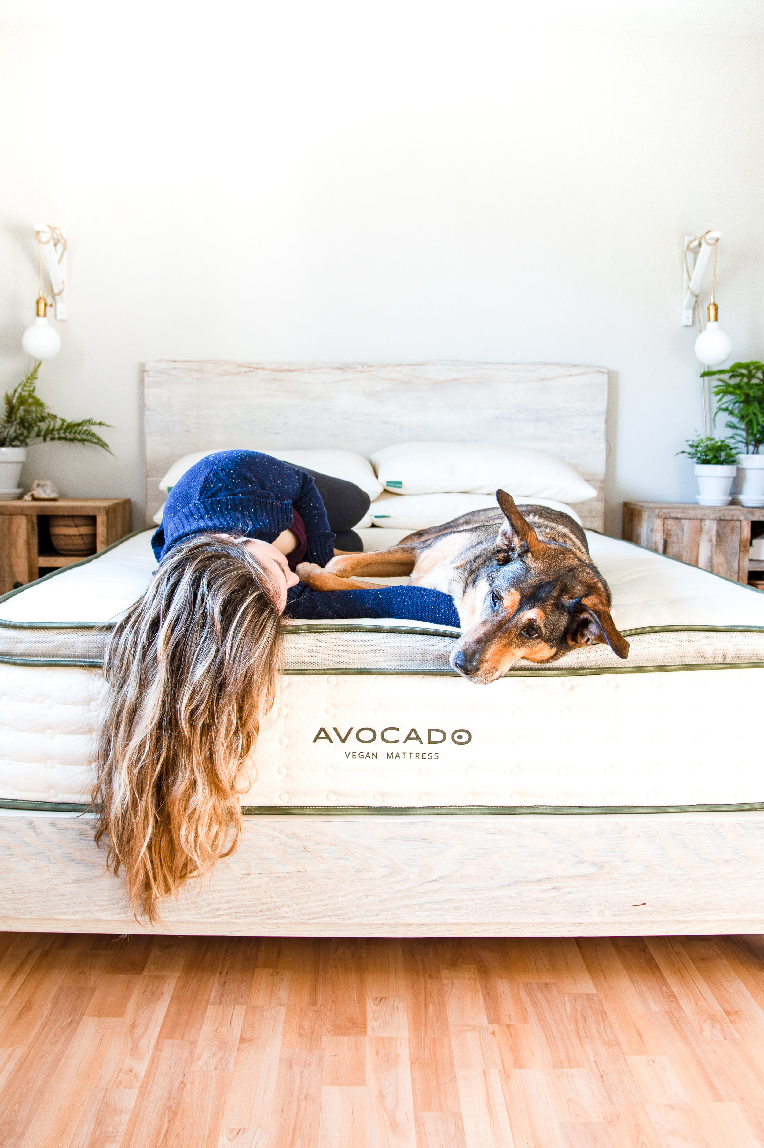 avocado green mattress+ natural wood bedframe -