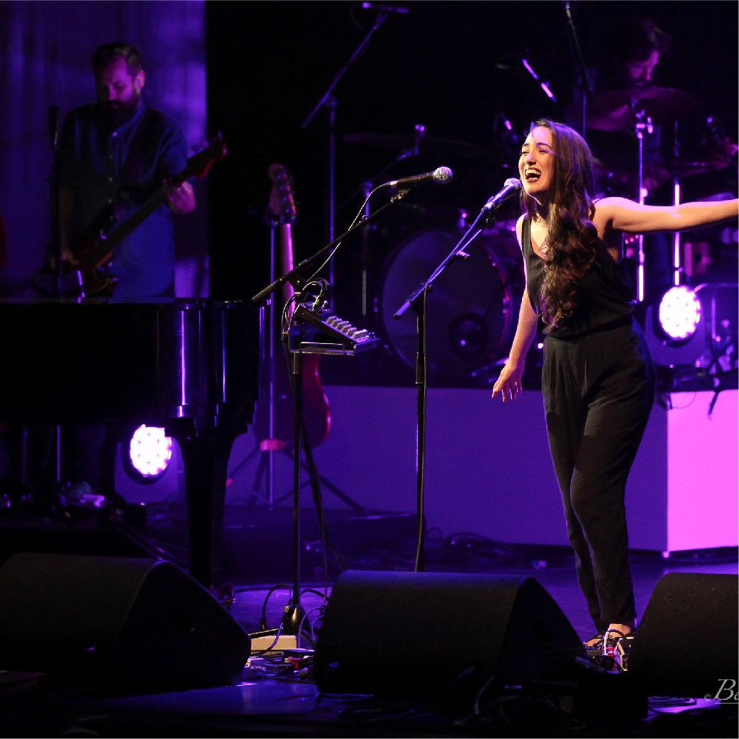 Août / August   Rencontre d'artistes incroyables au Festival International de la chanson de Granby.