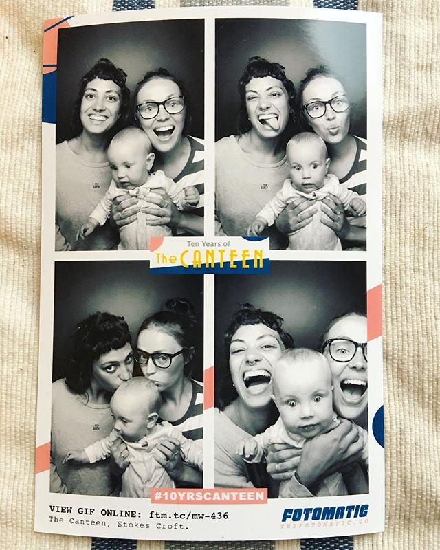 when you put a baby in a photobooth when they've just woken up... #whatthefuckguys #confuse #mumplease