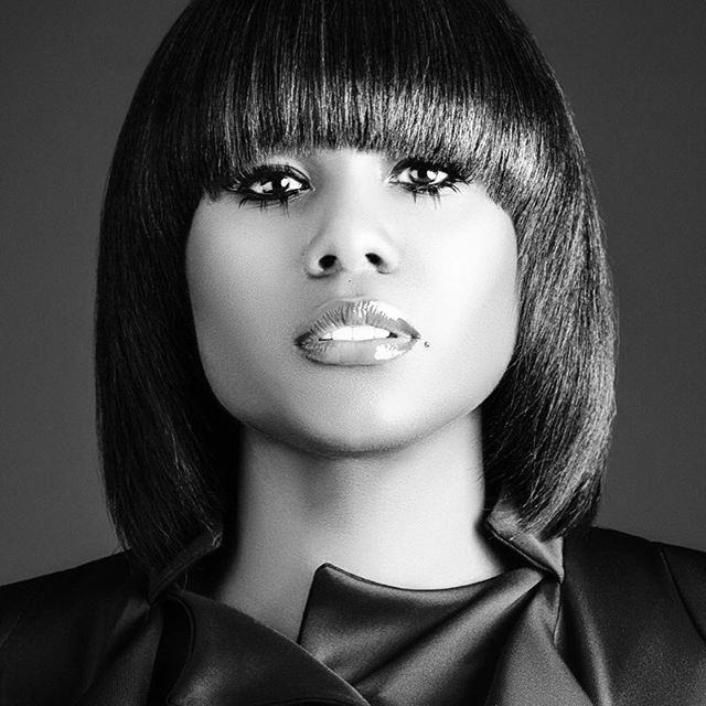 Ran across this pic today...I kinda miss my bangs 😌 shout out to @muadaybyrd for hand making these lashes while on Set , like literally with some hair extensions and some flat irons lol 👏🏽👏🏽👏🏽 where they do that at lol. What a dope style team I had on this one😘 #AppreciateTheTeam #ItTakesAVillage 📸: @adrog1983  MUA: @muadaybyrd  Hair : @jaiithestylist  Style : @savionsays  #makeup #hairstyles #bangs #photoshoot #artist #stylist #glamsquad
