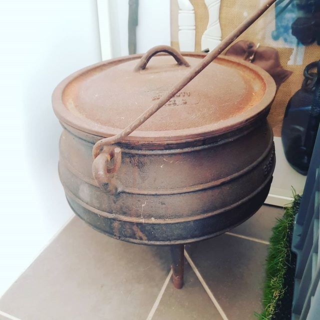 Hmmm this rusty old potjie pot is getting put in to action in a couple of months - bubble bubble, boil and trouble ......what are we going to brew next .... #balingupmedievilcarnivale  #custardco #glutenfree #localapples #localmade