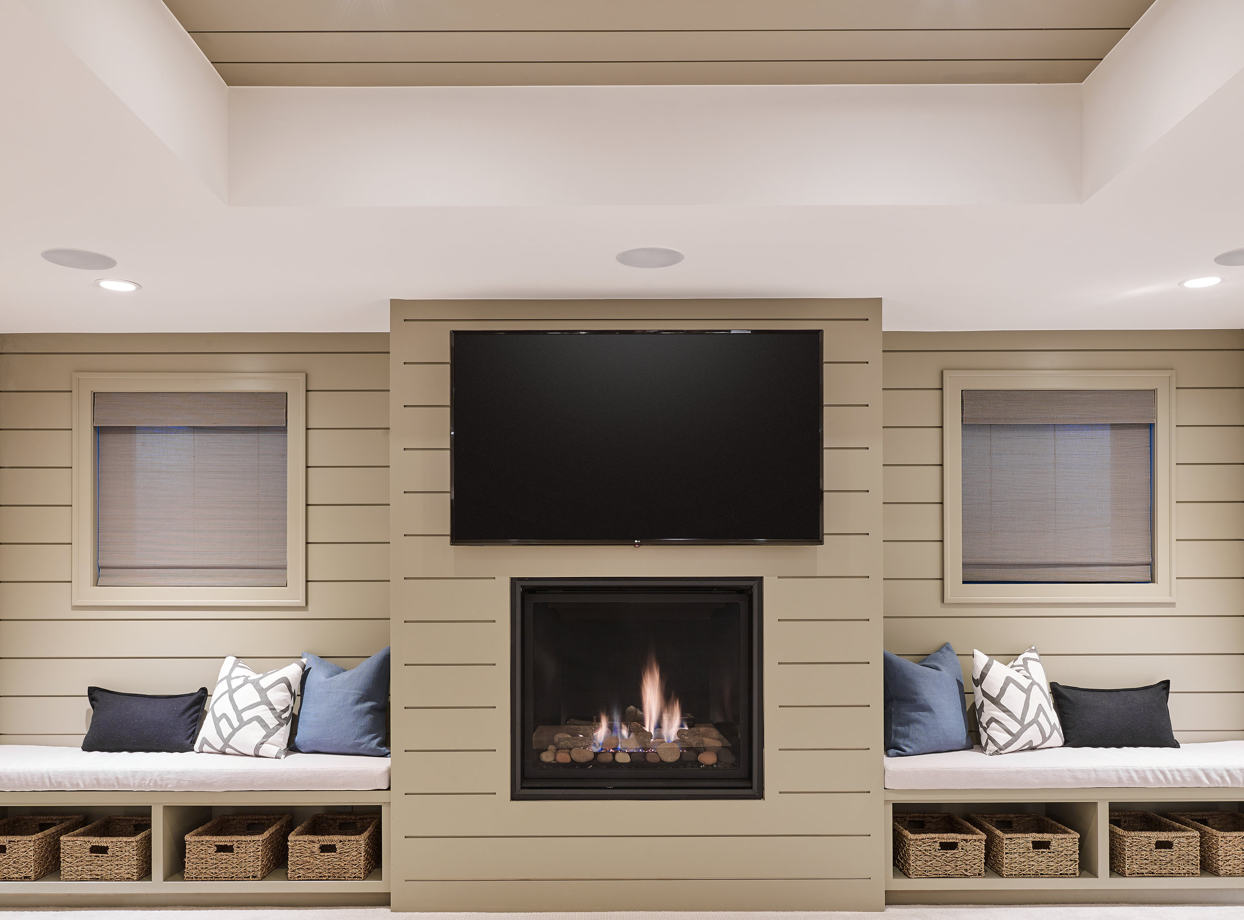 WEB_pam_442_s_vine_basement_fireplace_85380.jpg