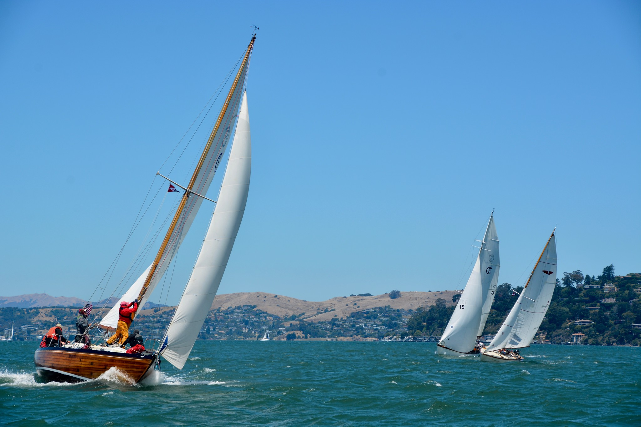 Mistress ii leads Hana at the first mark in the Belvedere Classic.