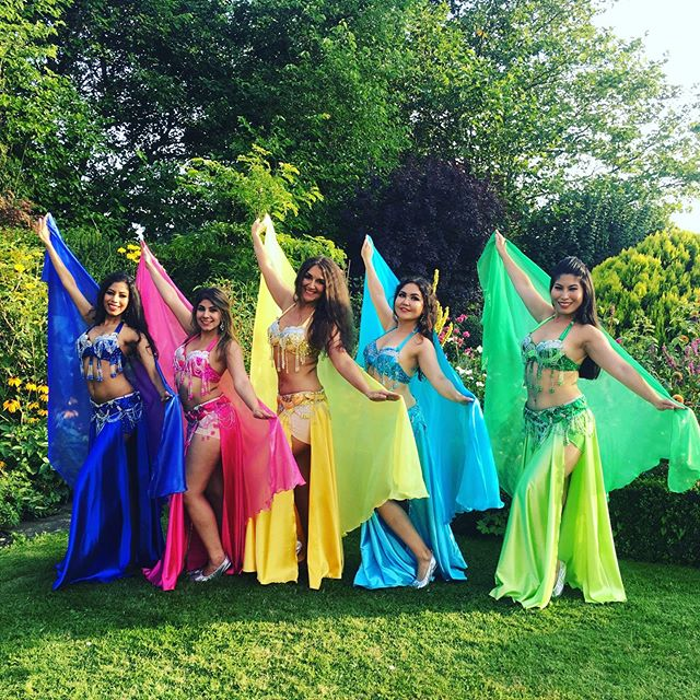 So so lucky to work with these talented beauties on a Turkish-Italian fusion wedding @fleurestelledance #bestbellydancers #bestinthebiz #weddingbellydancer #kentweddingplanner
