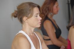 Débutants, Intermédiaires ou Avancés,  Joëlle Piedra  vous propose un atelier de deux heures le  samedi 26 novembre de 14:30 à 16:30.    Venez pratiquer ce YogaTantra dans sa totalité, Postures, Respiration, Méditation.   Tarif :  25 euros Réservez au 06 26 16 34 23