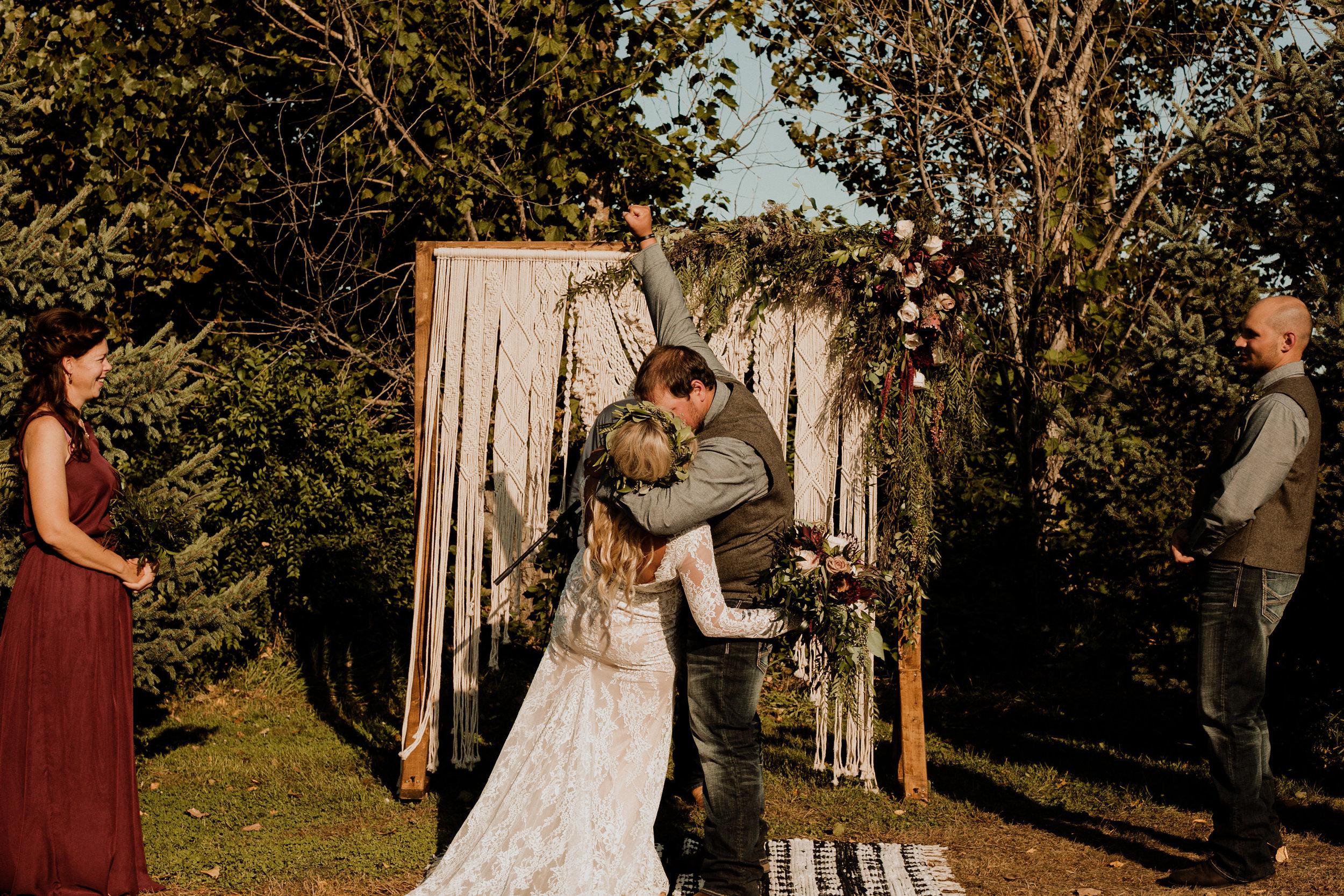 Skylar+Brock_Wedding_TonyaHjortPhotography-626.jpg