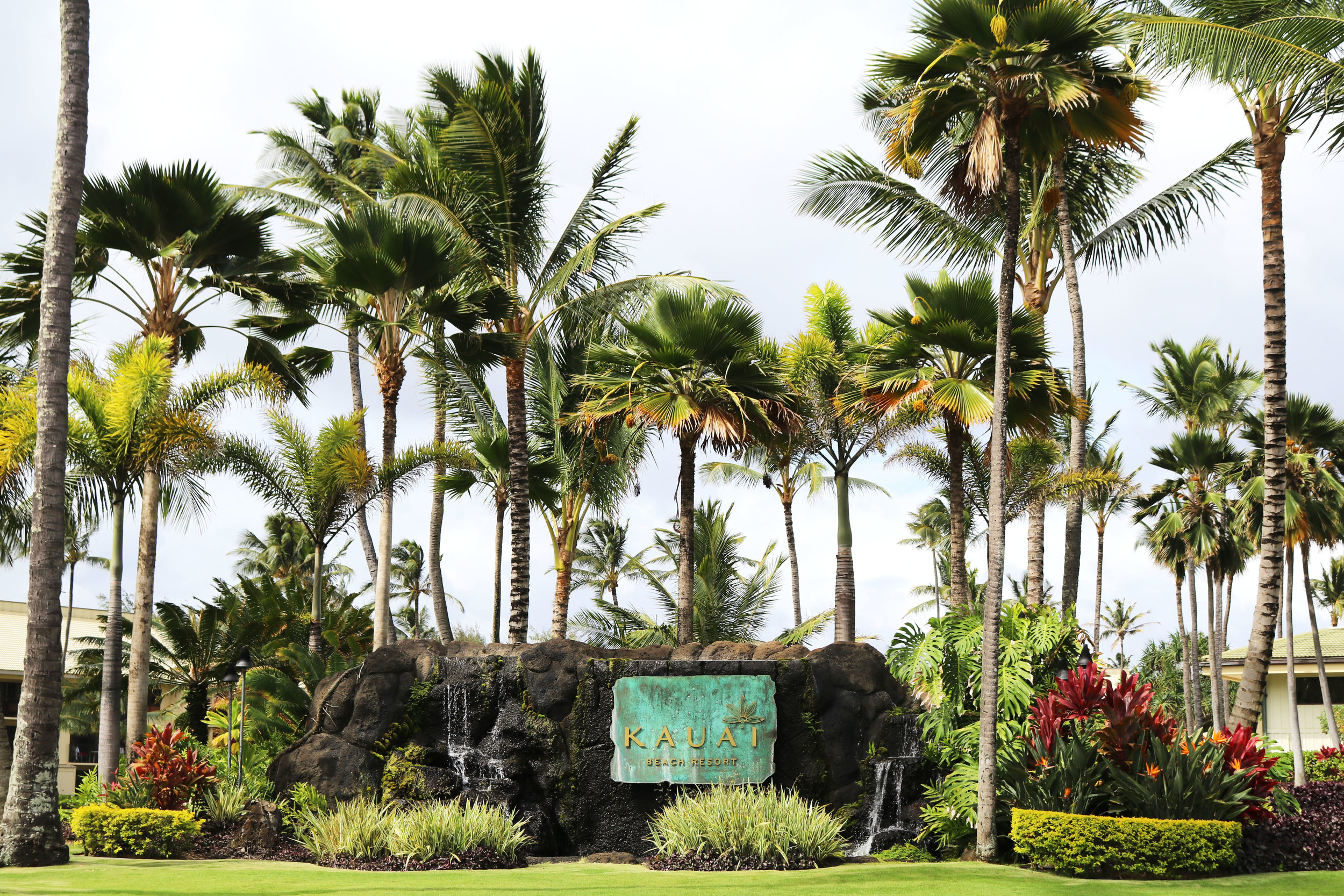 Front driveway entrance at Kauai Beach Resort