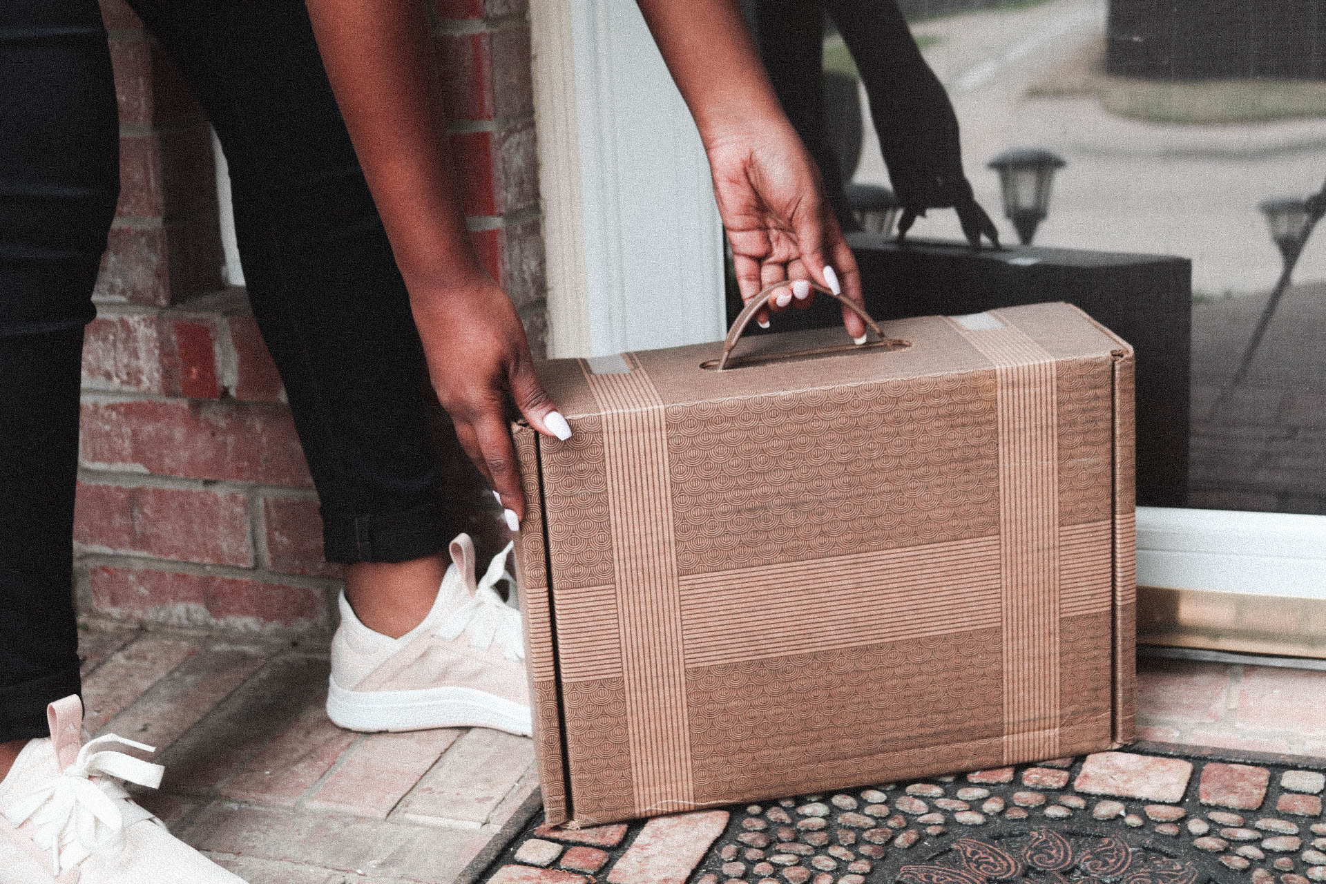 UPS delivers my trunk each month to my doorstep. Depending on what your stylist sends, the trunks can be super big or fairly small like this one.