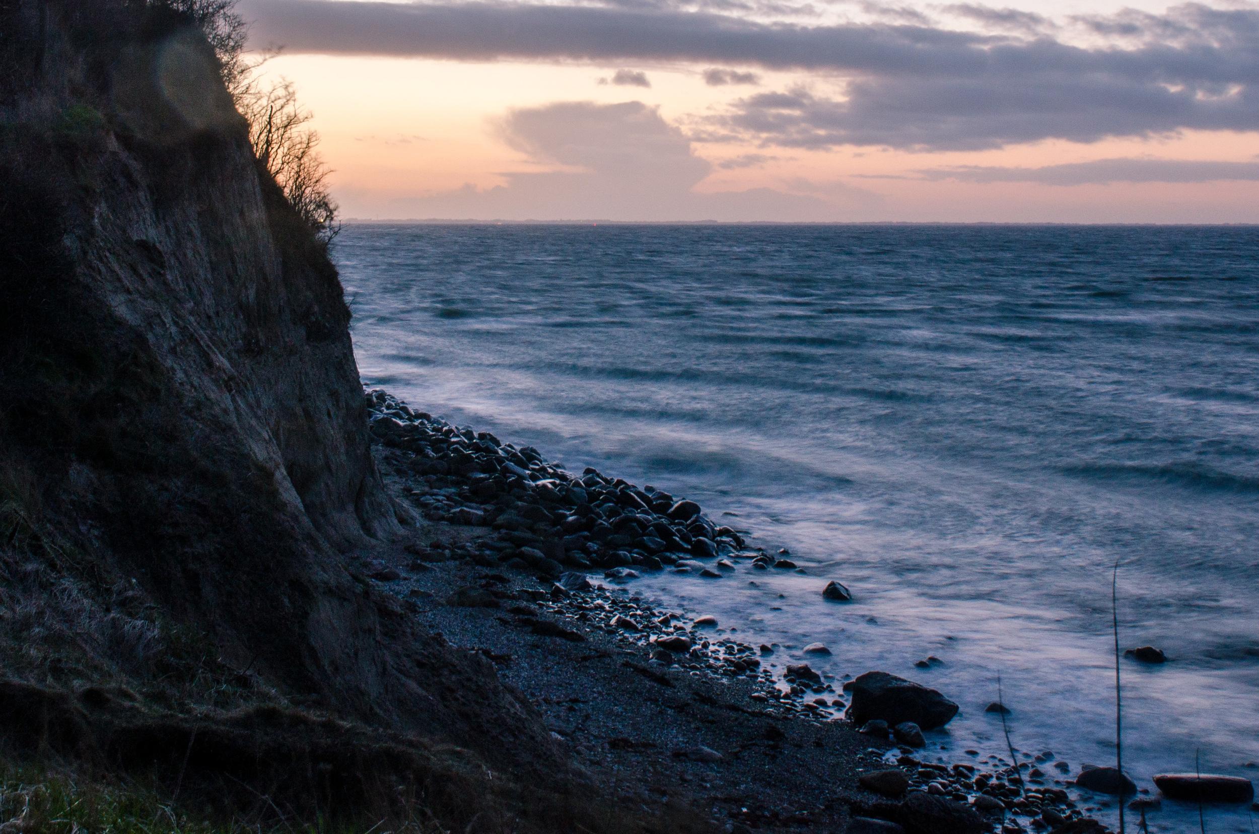 Adventure_photographer_ocean_sea_walk_sunset-7.jpg