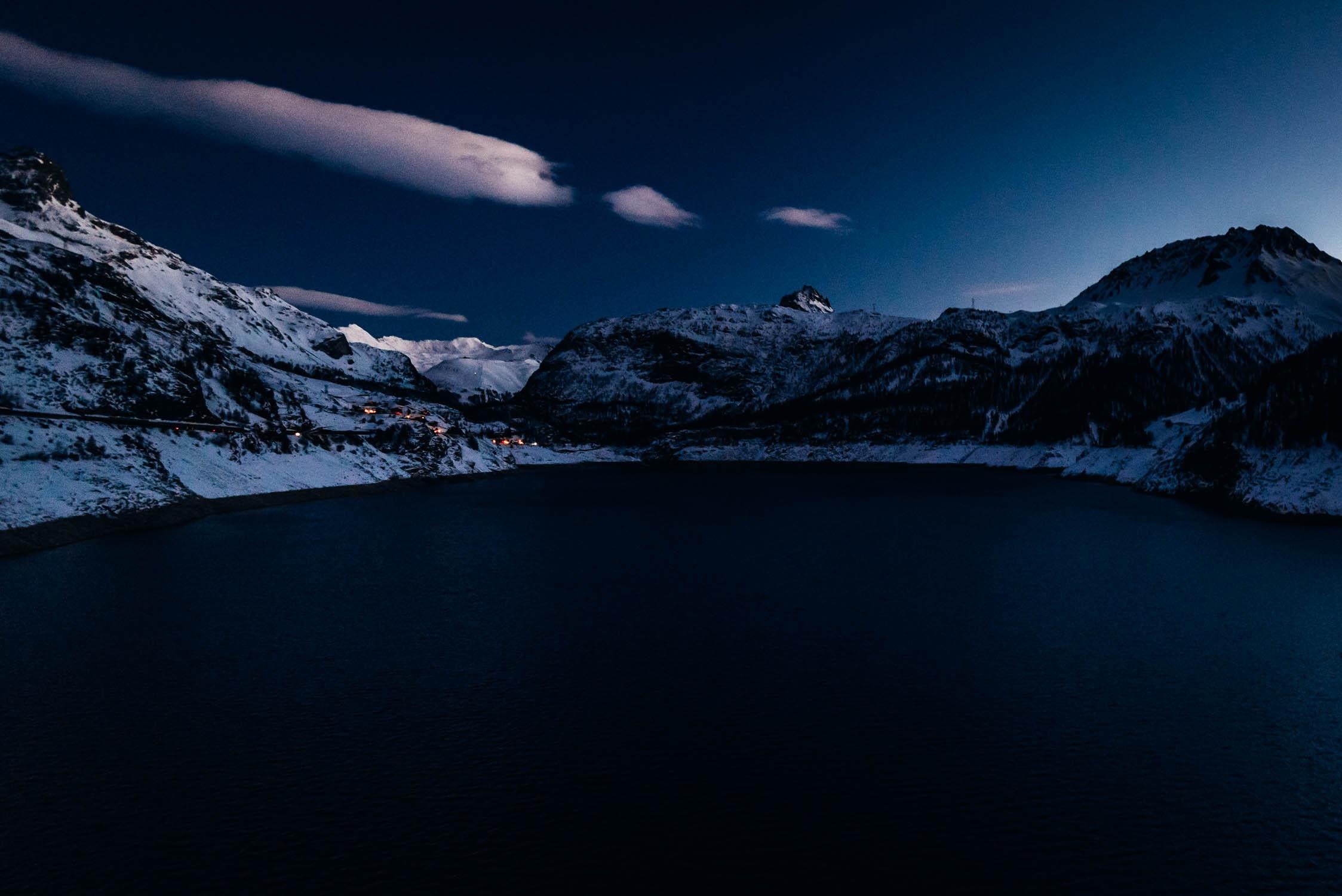 gustav-thuesen-adventure-outdoor-lifestyle-skiing-action-sport-6.jpg
