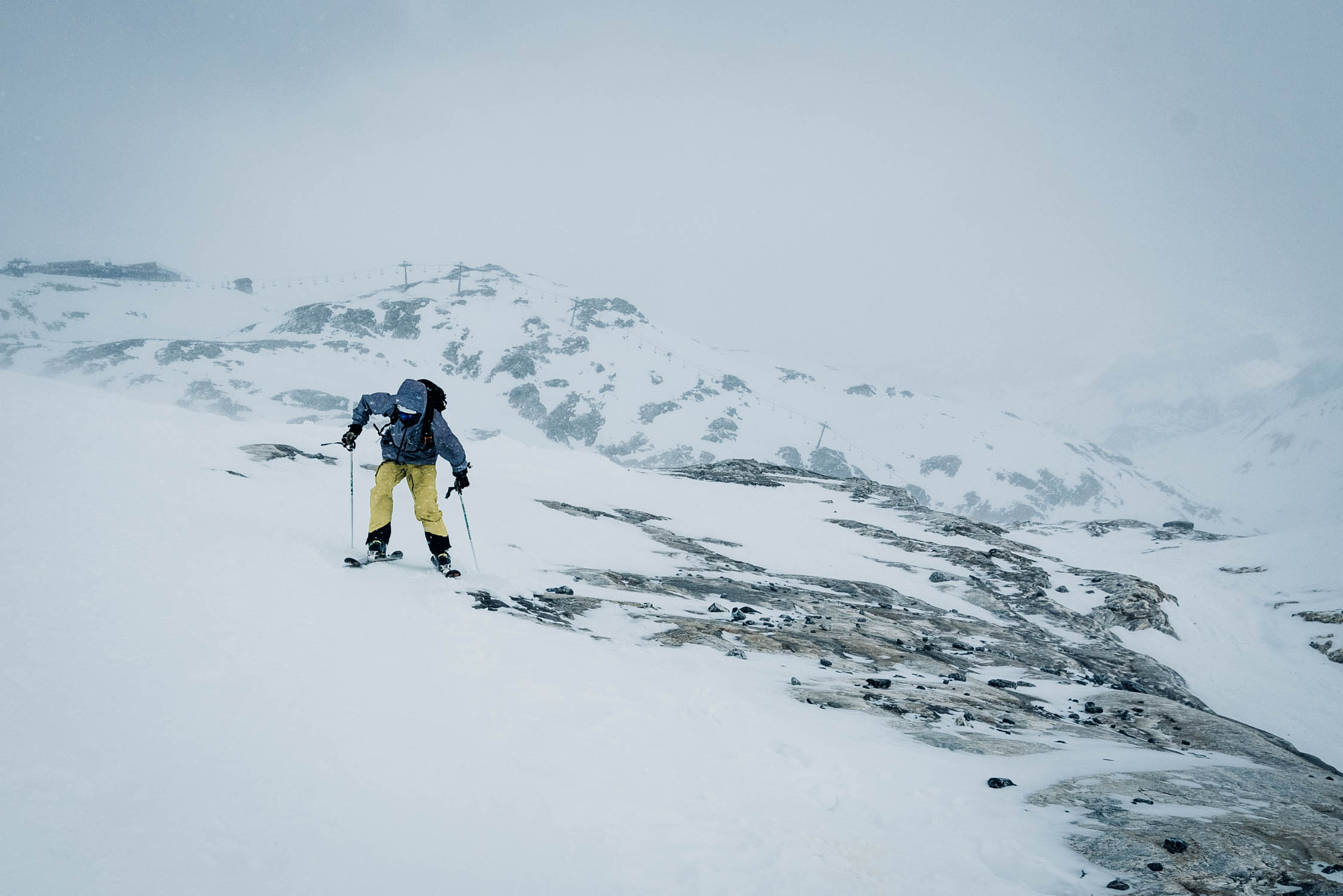gustav-thuesen-adventure-outdoor-lifestyle-skiing-action-sport-9.jpg