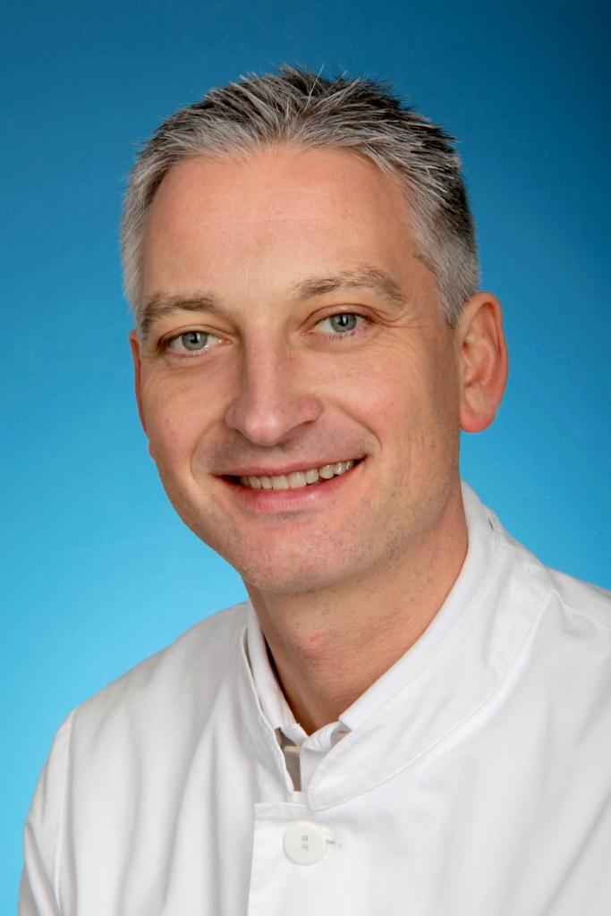 Dr. Mathias Freitag, Zahnarzt und Fachzahnarzt für Oralchirurgie
