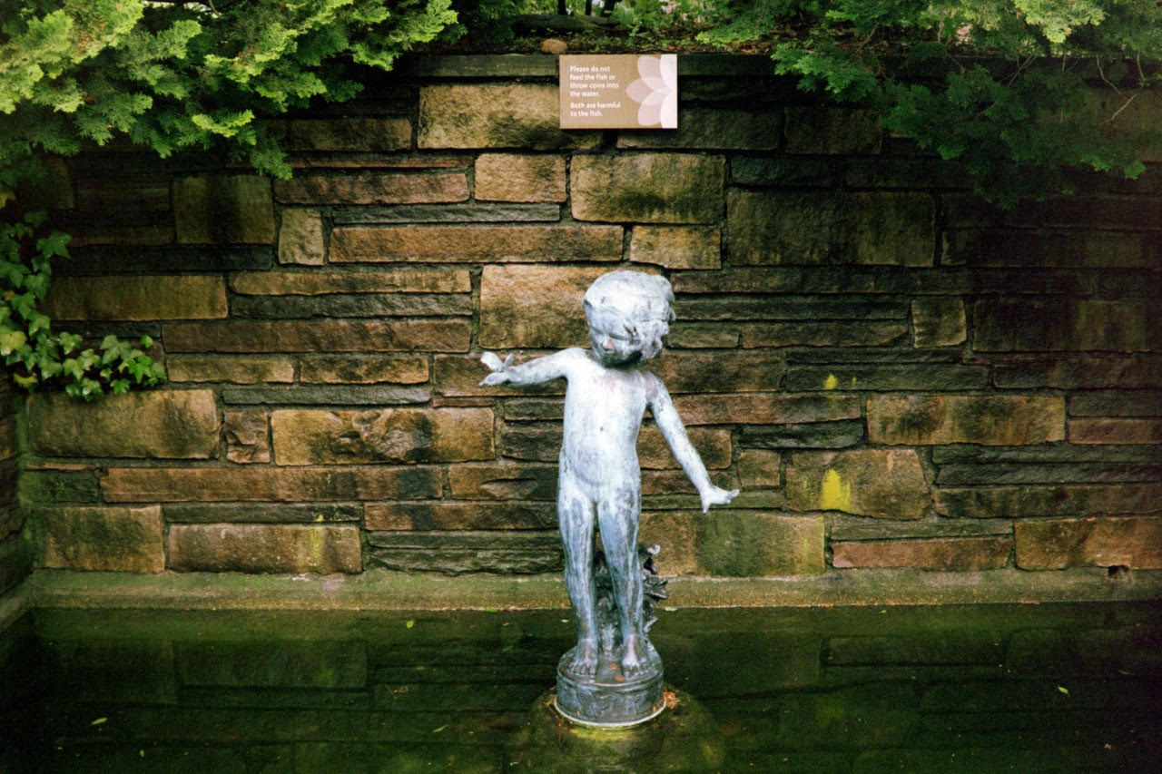 fountain boy.jpg