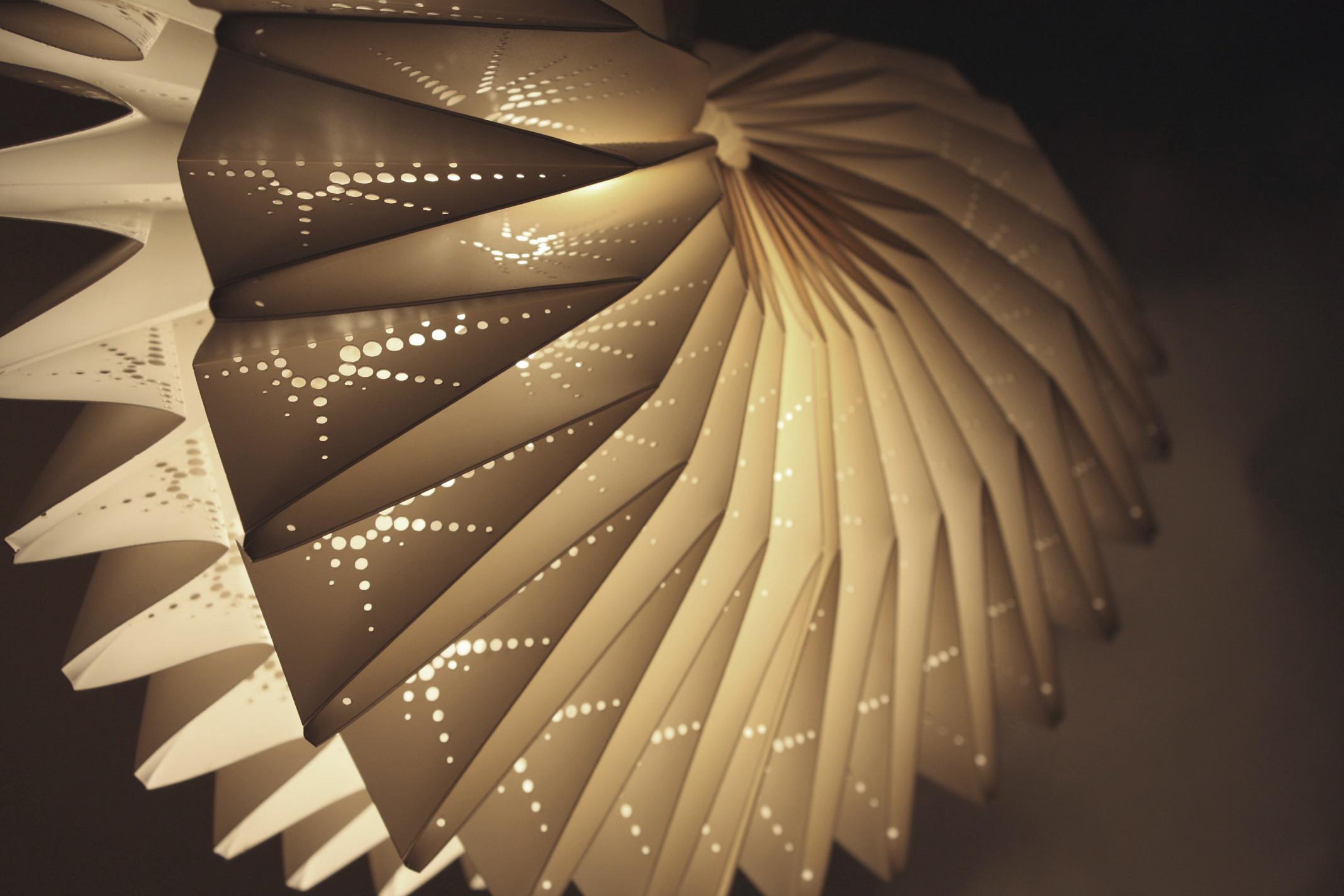 Burst_Bespoke_Handmade_pleated_lampshade.jpg
