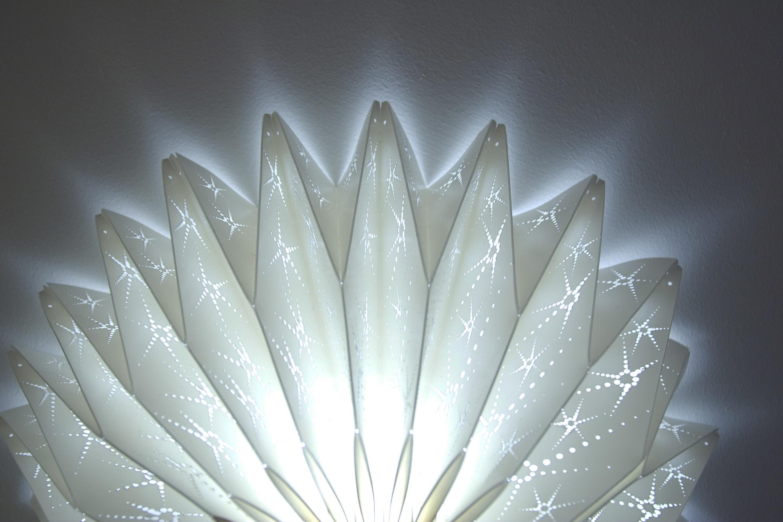 Star_Bespoke_Handmade_pleated_lampshade2.jpg