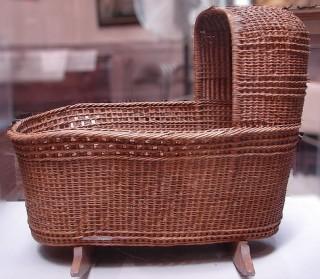 wicker-cradle-oak-rockers-17th-C-1620.jpg