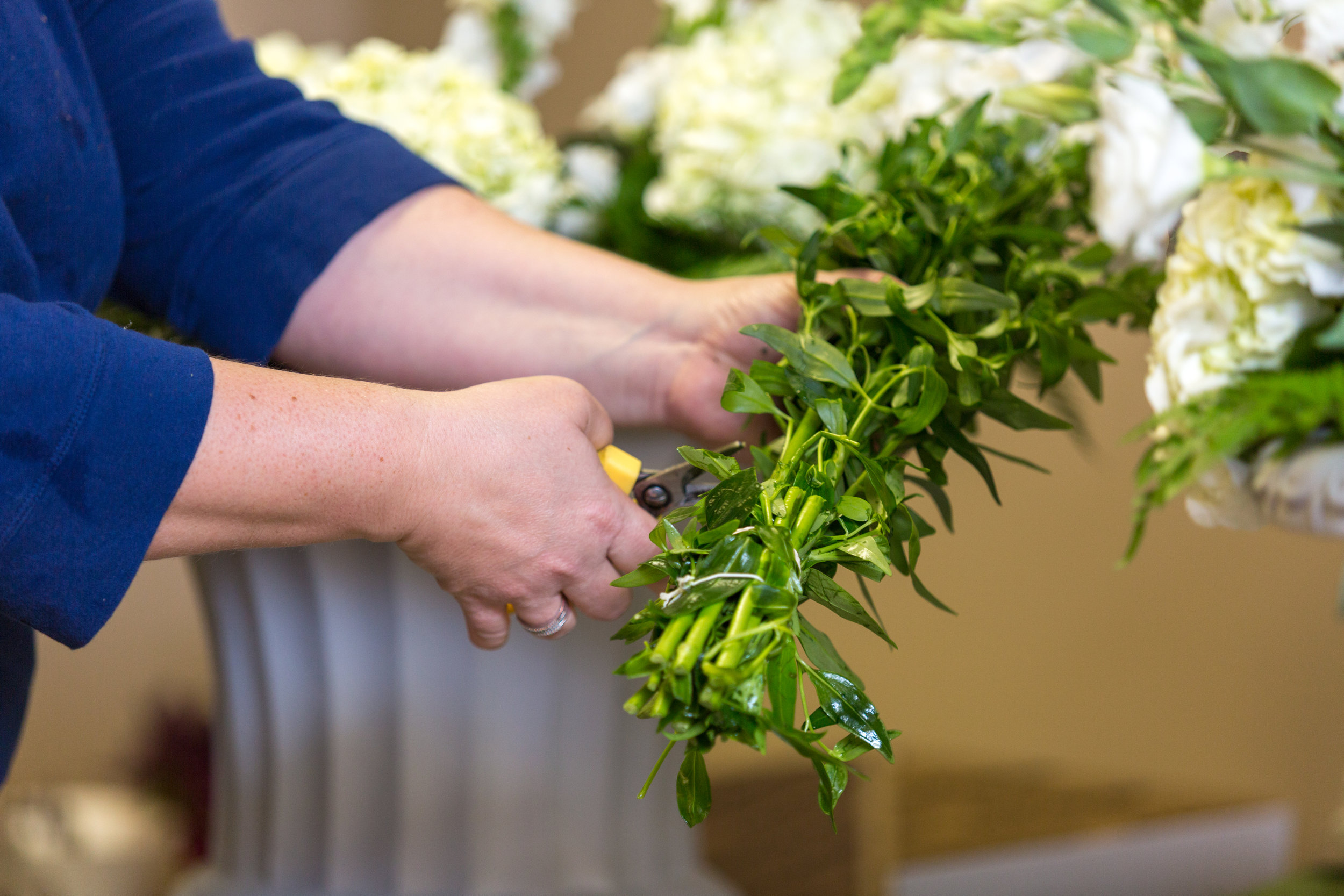 Blooms 'n Blossoms Wedding Vendor Blog by Kevin and Anna Photography 09.jpg
