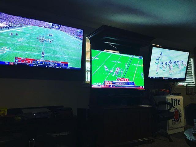 WOOOOOO! #NFL Sundays are back!