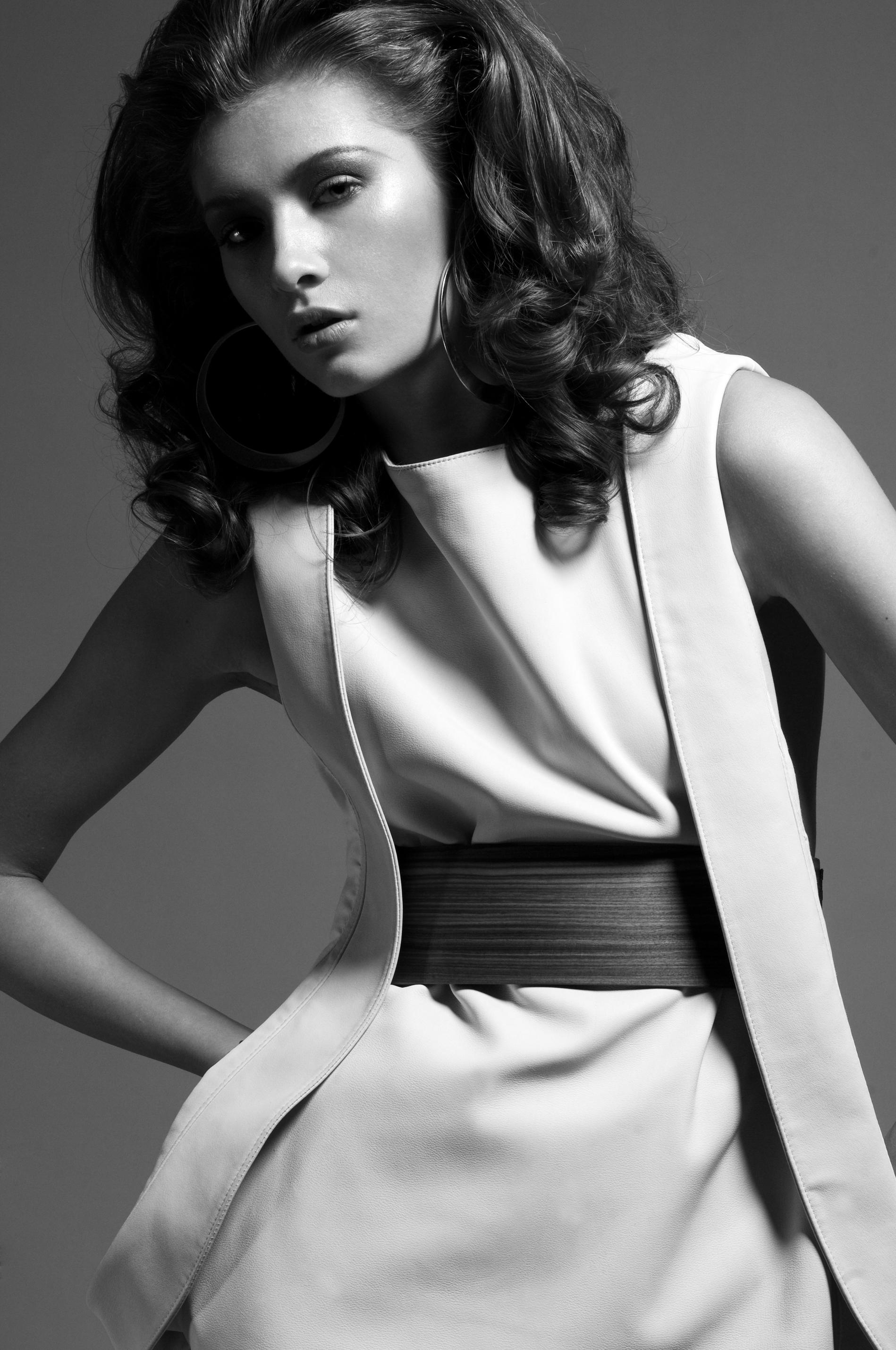 © Model Plus Milan - photographer Luigi Ziliani, Stylist Silvia Comazzi e Makeup Guja Rigattieri