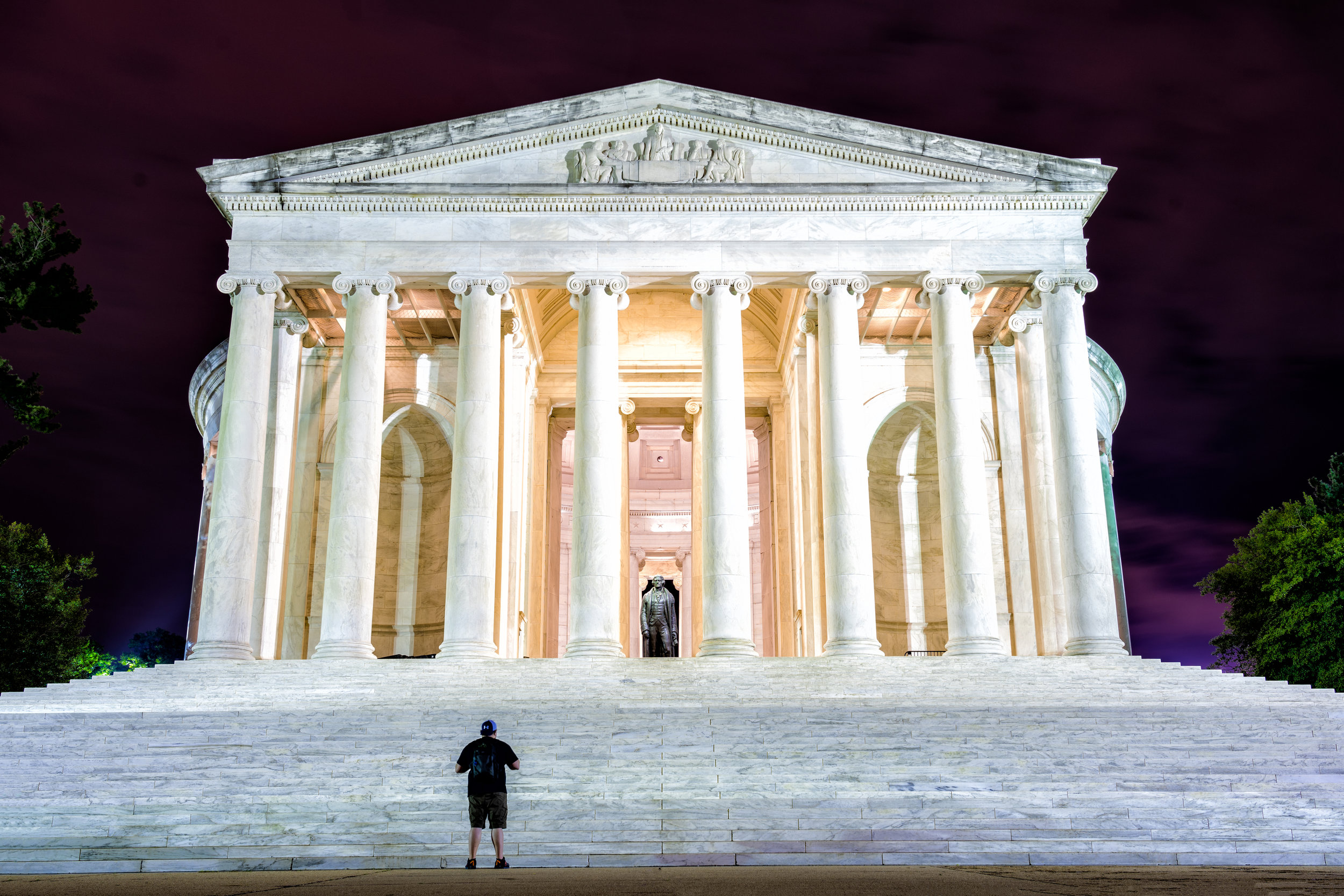 I took a few variations by the Jefferson Memorial as there are a few good areas to really capture them. - 30 sec exposure - Base of the stairs