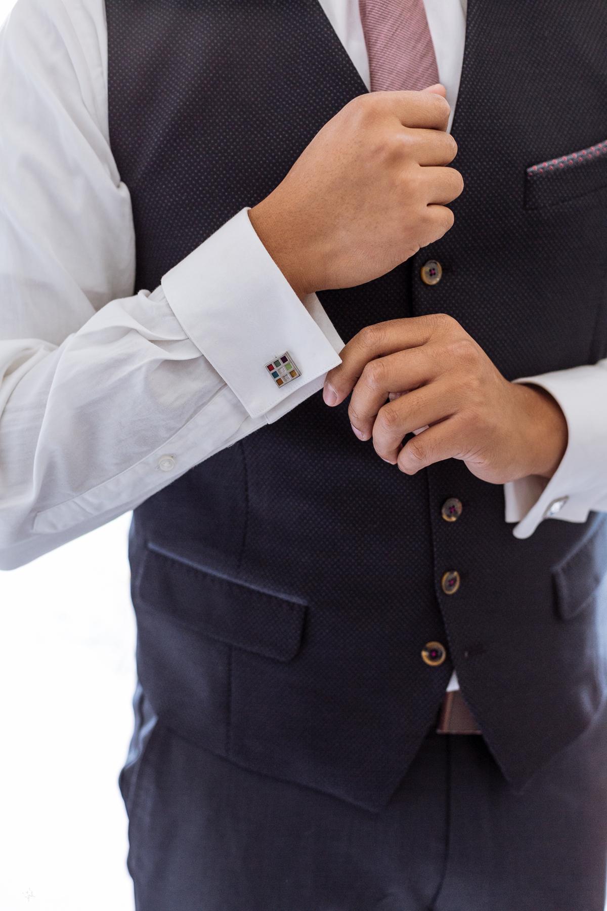 Fall Wedding Groom Preparation Mississauga-9.jpg