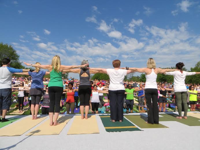 yogaonthemallbeginnersclass.jpg
