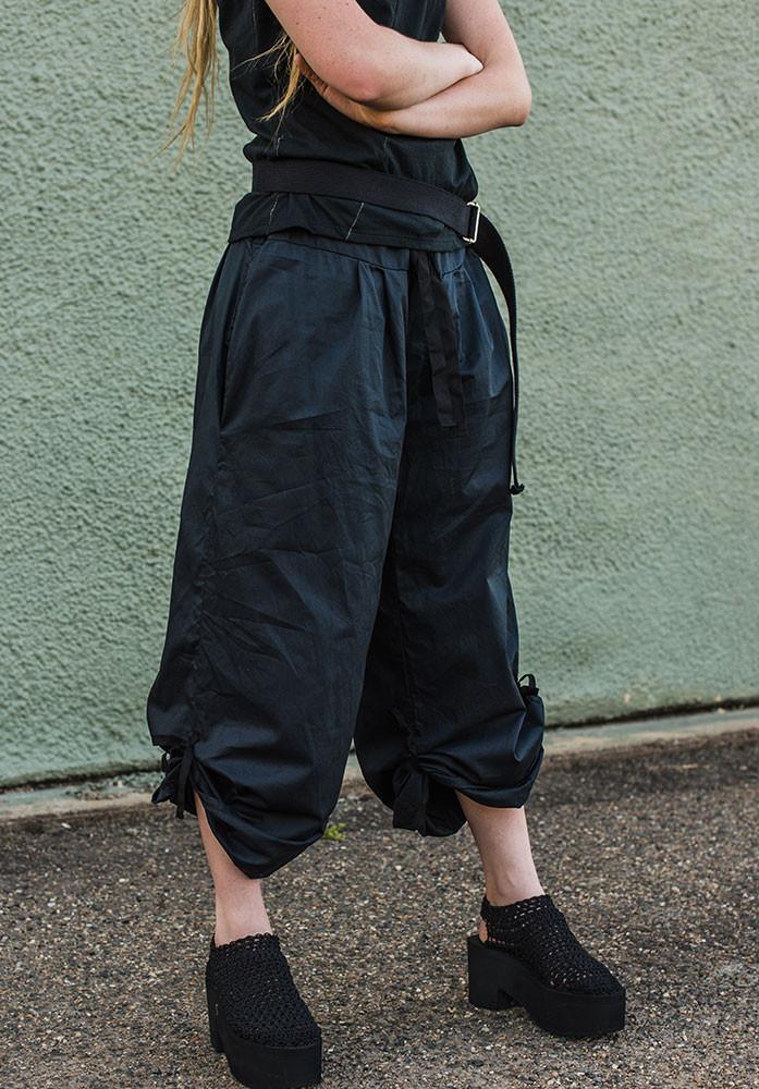 Ada pants navy, tied up