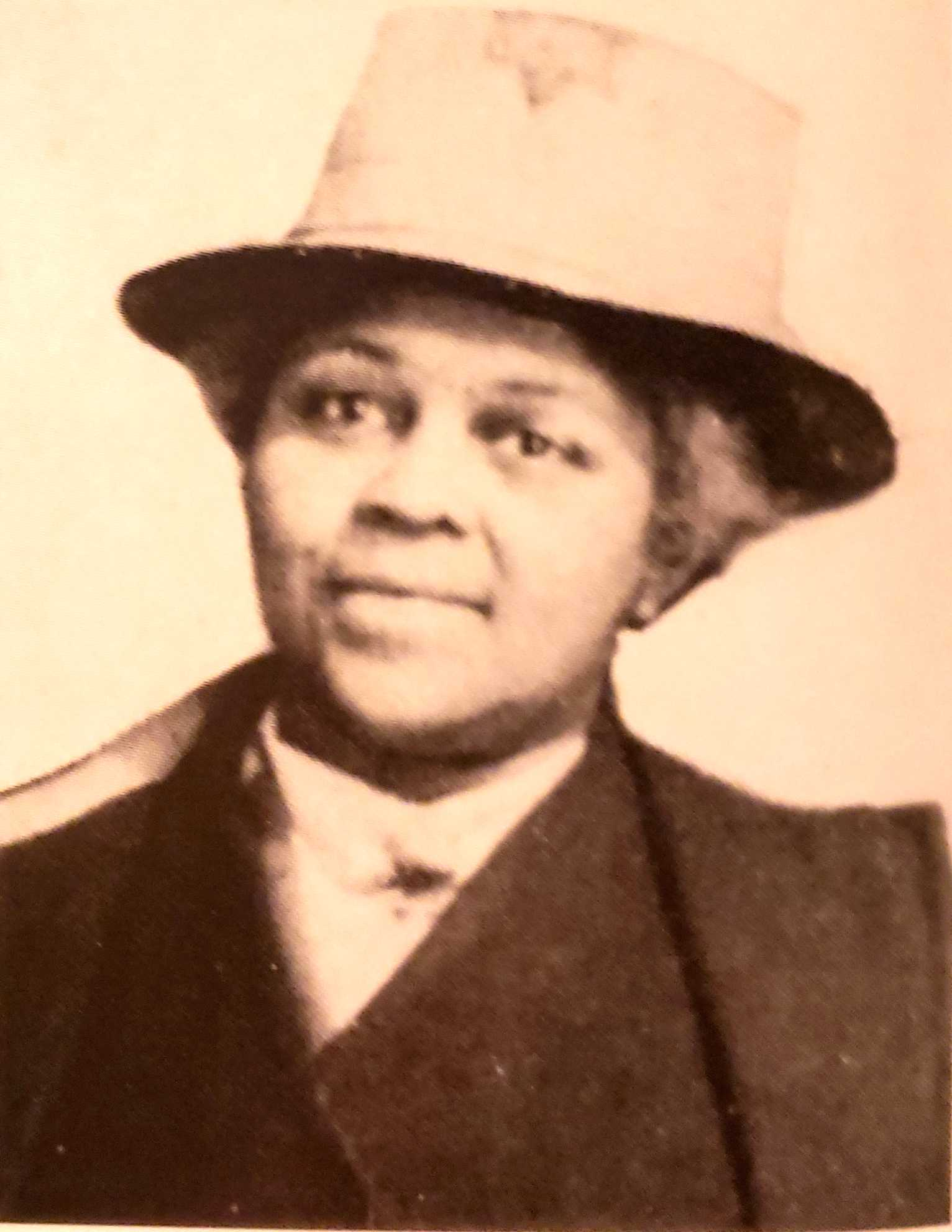 Jewelia Higgins (courtesy of  Margaret Peters,  African American Heritage,  National Afro-American Museum and Cultural Center, 1995 , 19.)