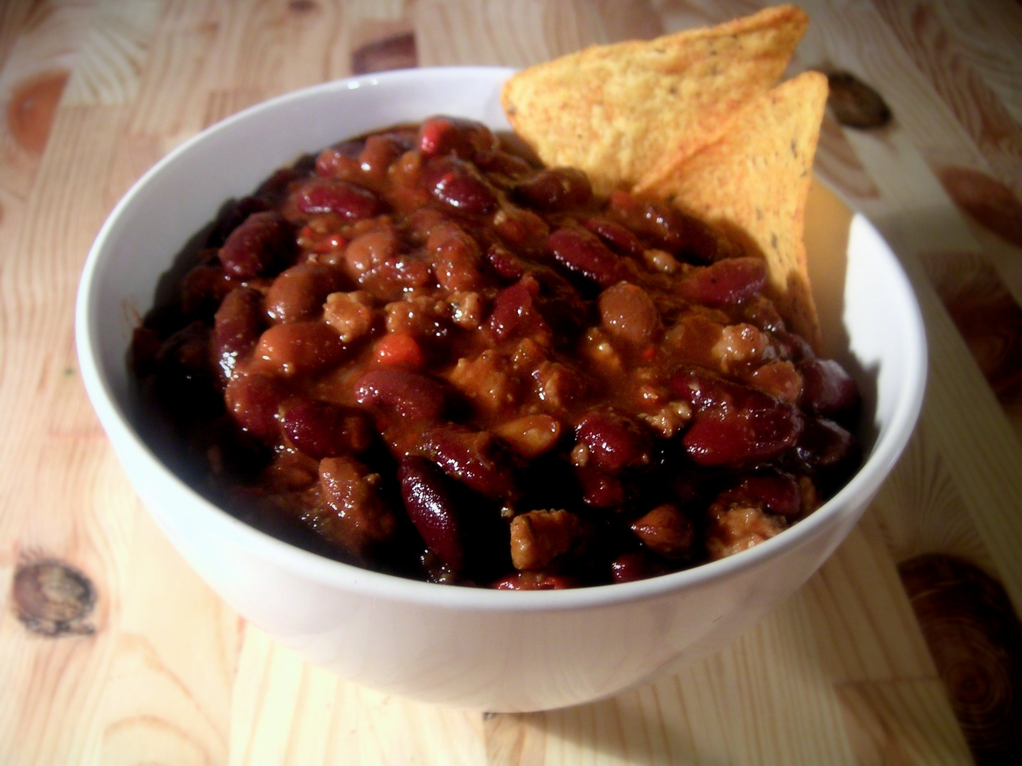 Bowl_of_chili.jpg