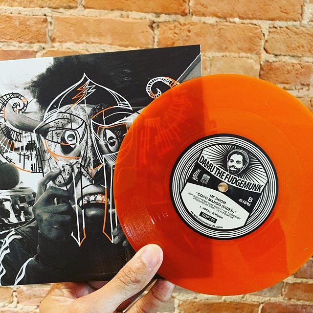 MFDOOM/DAMU Reeeeeemix #aiiight #45s #vinylhoarder #DCrepresent #straysolo #findsomecolorinlife