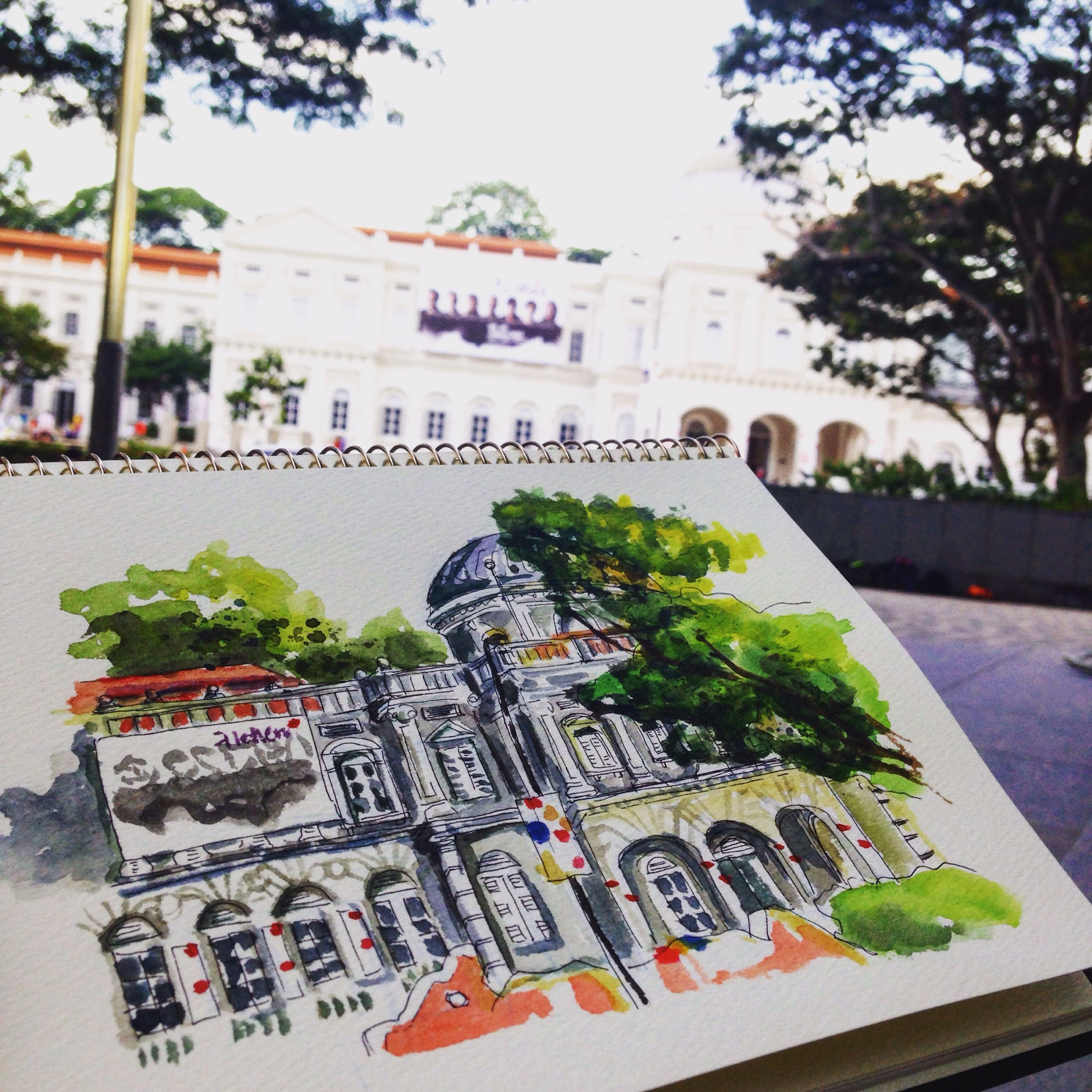 My last open sketchwalk at the SMU Open Lawn, facing the National Museum of Singapore.