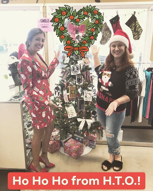 Closing today at 2pm and closed tomorrow for Christmas. Come get any last minute gifts or gift certificates today! Merry Christmas and happy holidays from all of us at HTO. #christmas #hawaiianchristmas #hawaiitactical #tacticalgear #hawaiilife
