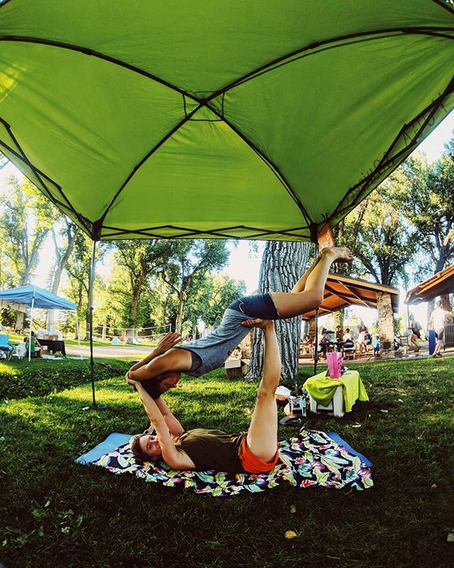 Back in Wyoming for the #internationalclimbersfestival that's WY! Join us Friday in city park 12pm for some AcroYoga! And then at 2pm we are offering donation based therapeutic flights (aka massage in the air) at the trade fair