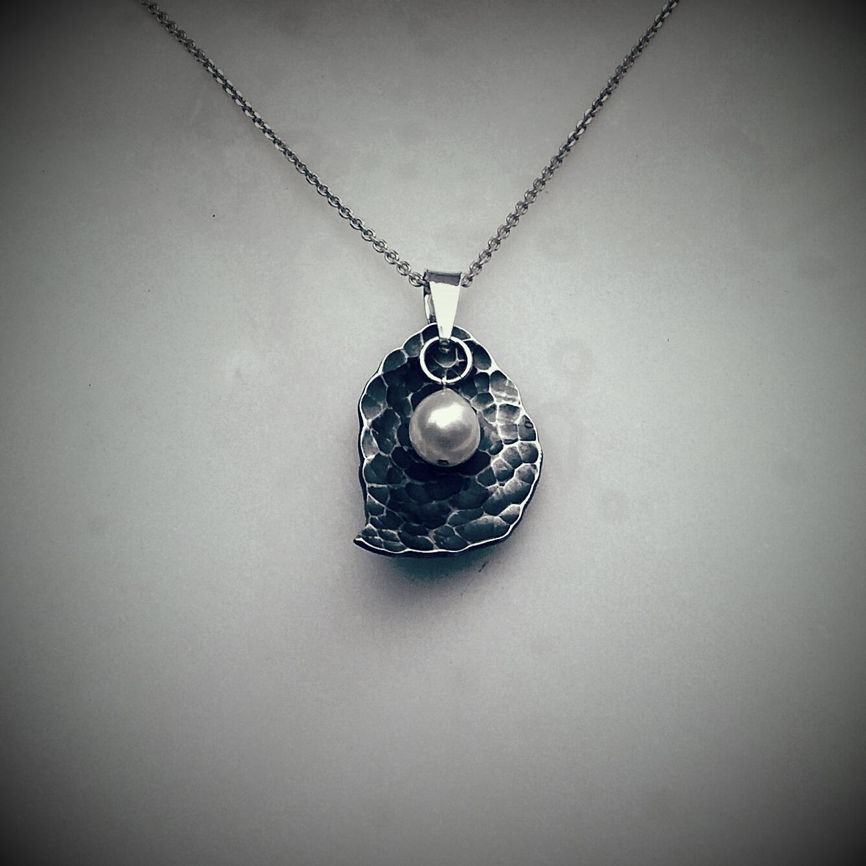 "Necklace ""Leaf with raintrop"""