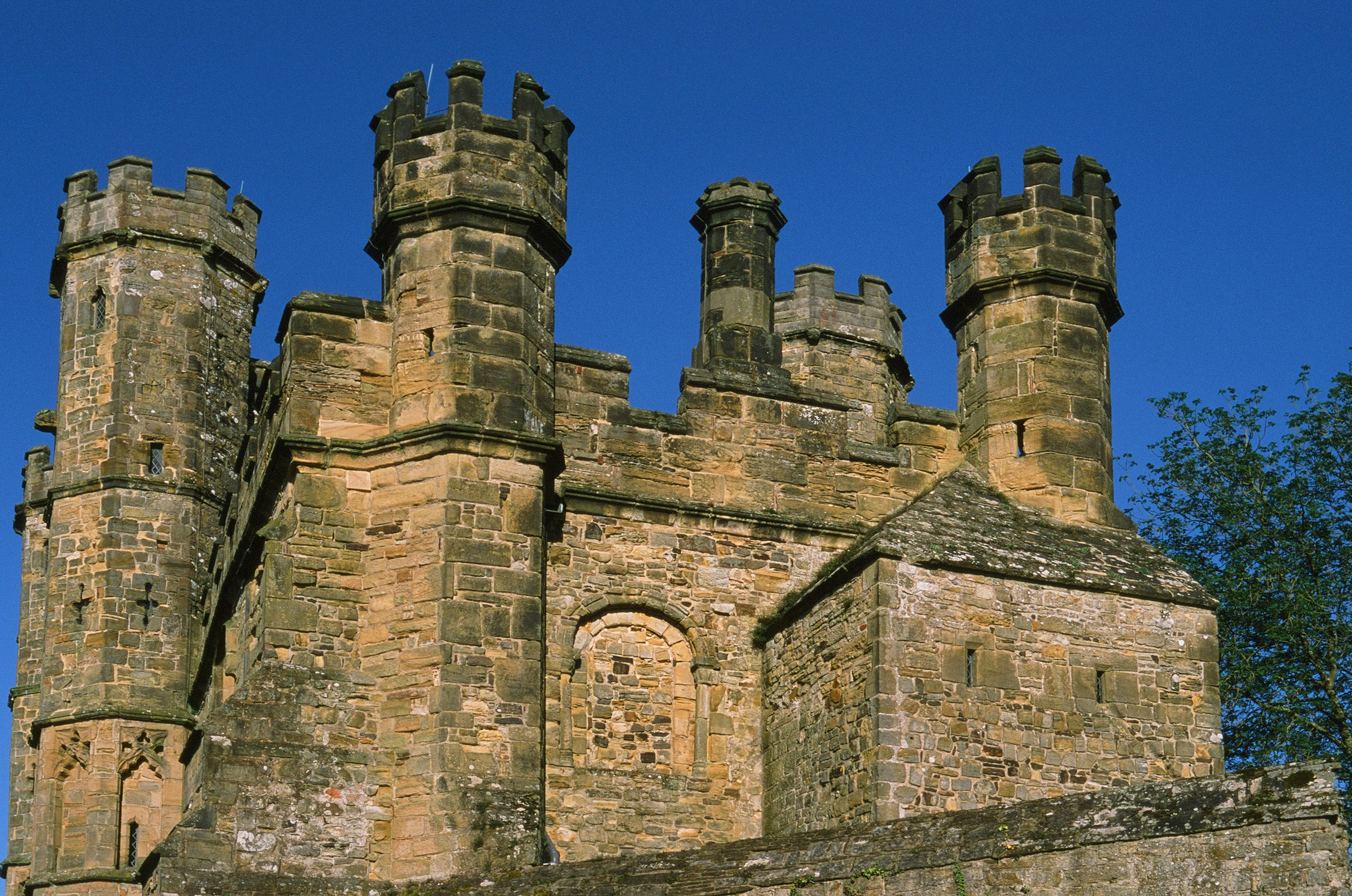 Turrets on Battle Abbey Sussex.jpg