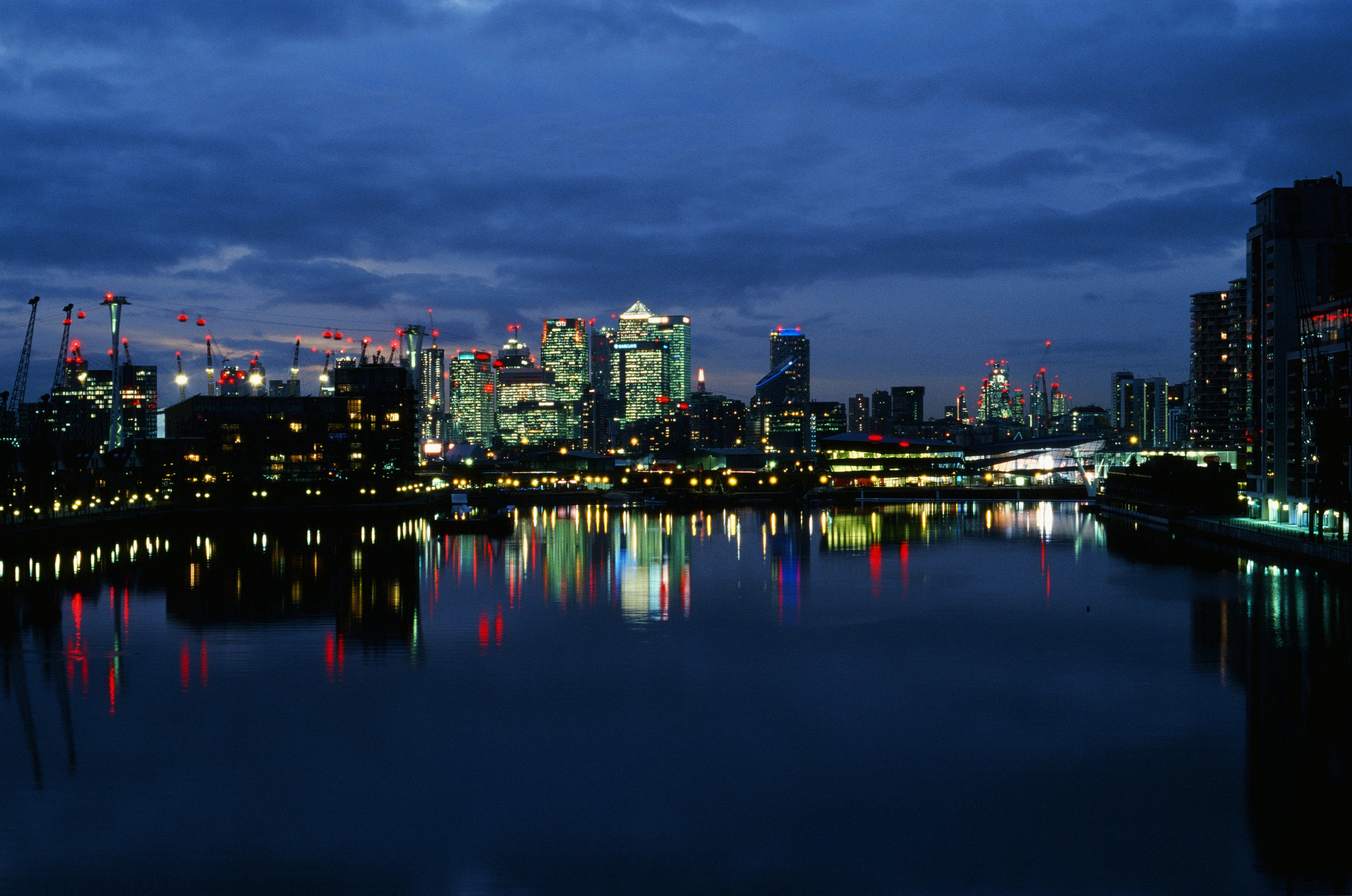 Docklands skyline London.jpg