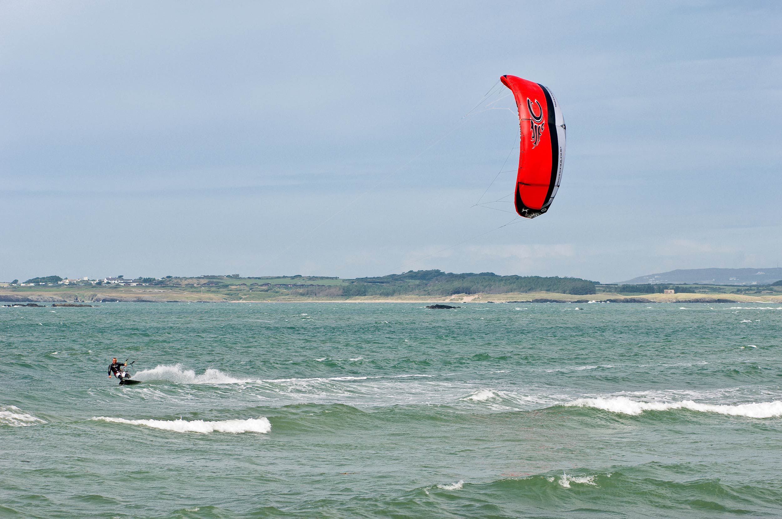 Kitesurfing at Rhosneigr, Anglesey  (Crown copyright 2018 / Visit Wales)